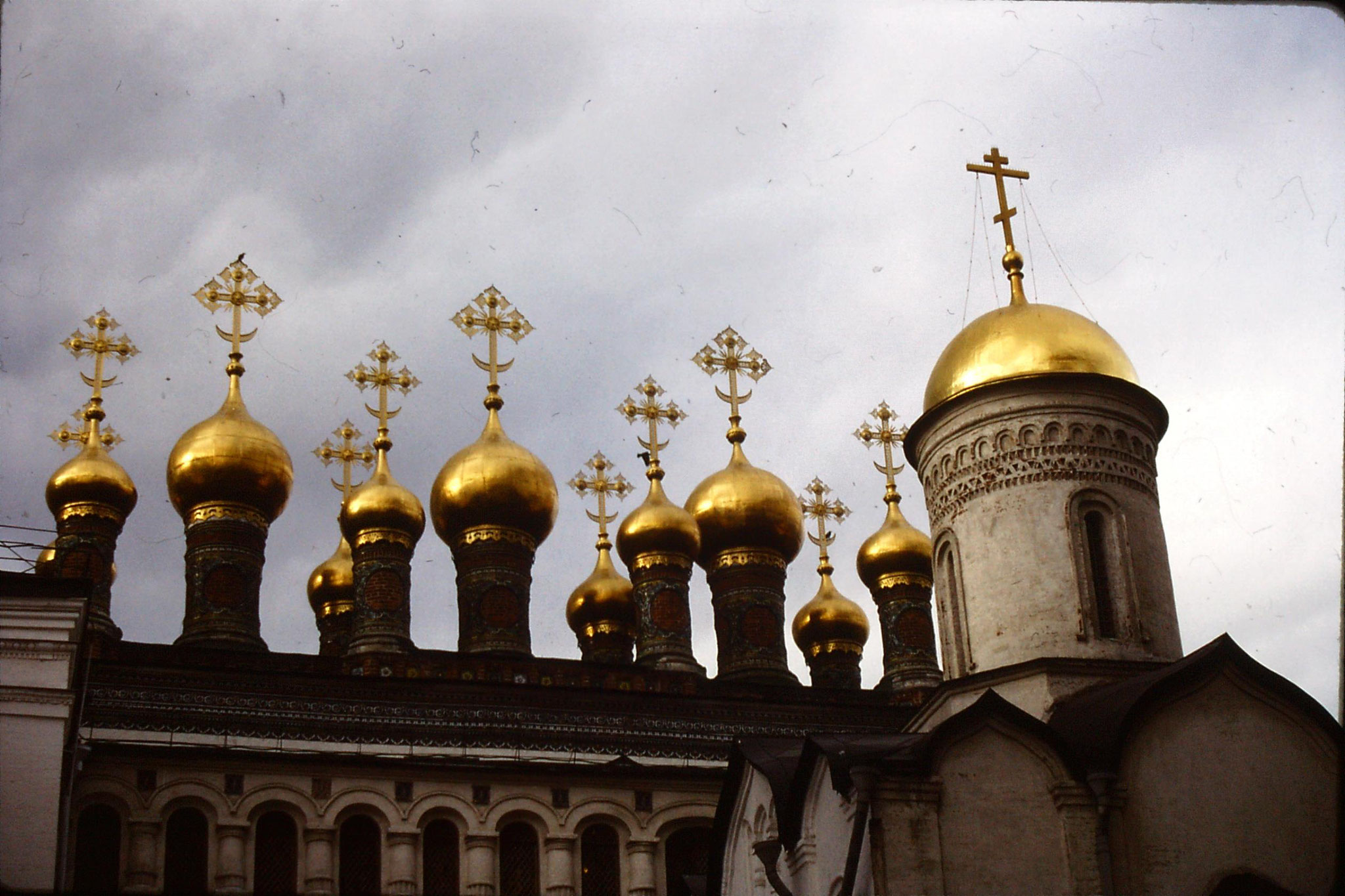 17/10/1988: 4: Kremlin Domes of Verkospasky Cathedral