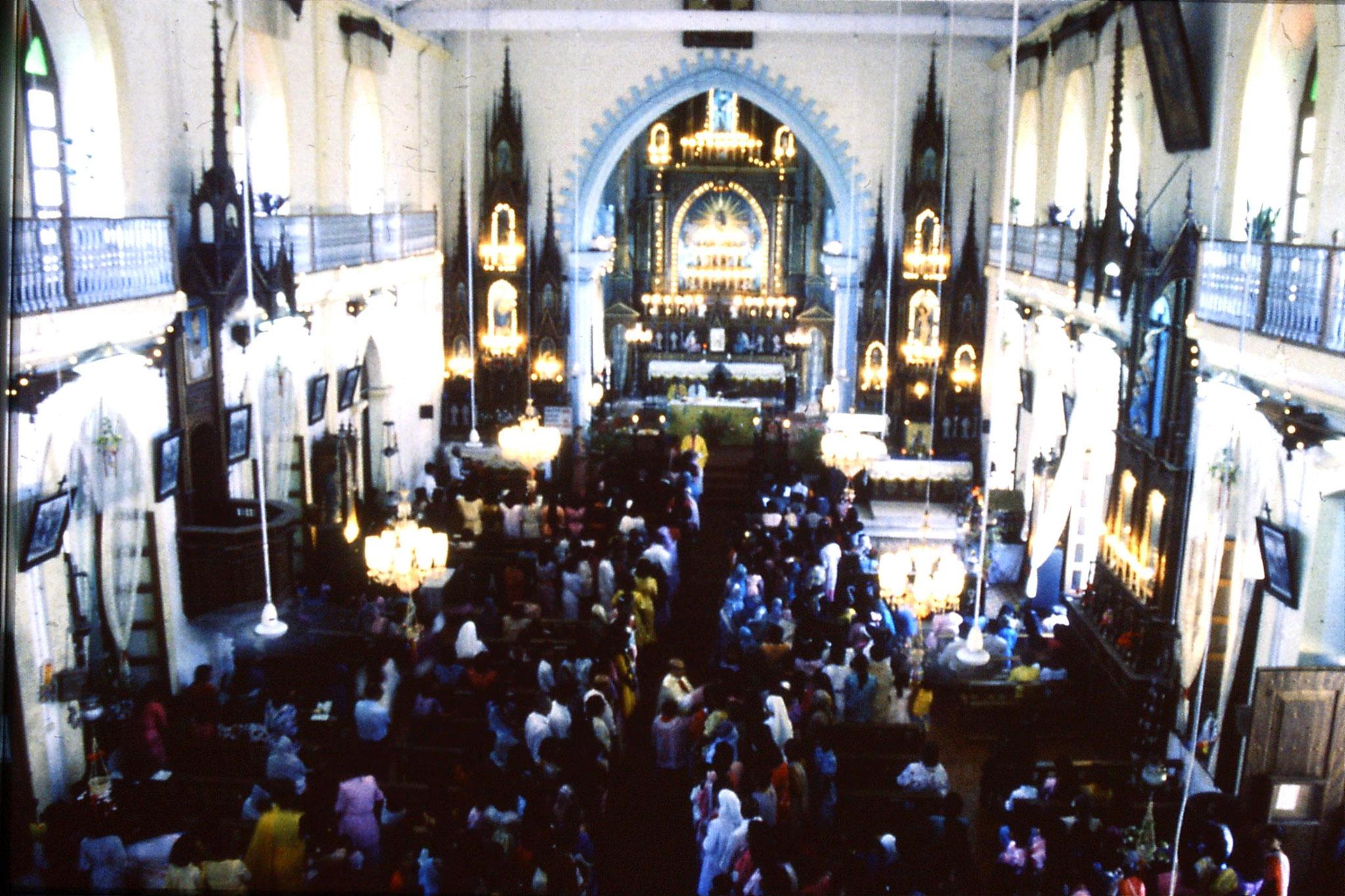 31/12/1989: 10: Siolim church and 10.30 mass