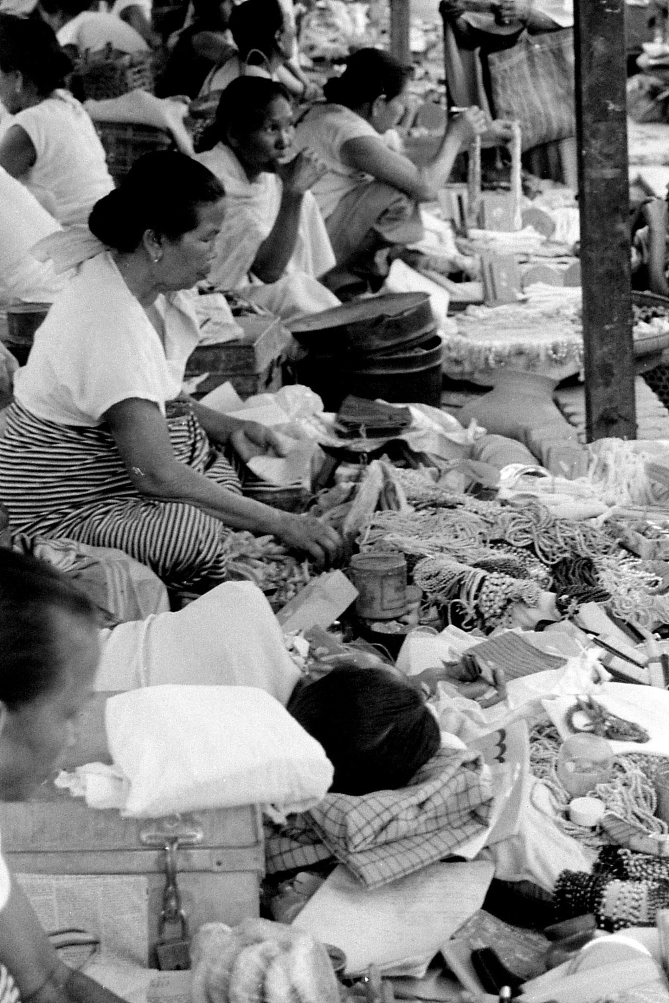 17/4/1990: 10: Imphal women's market