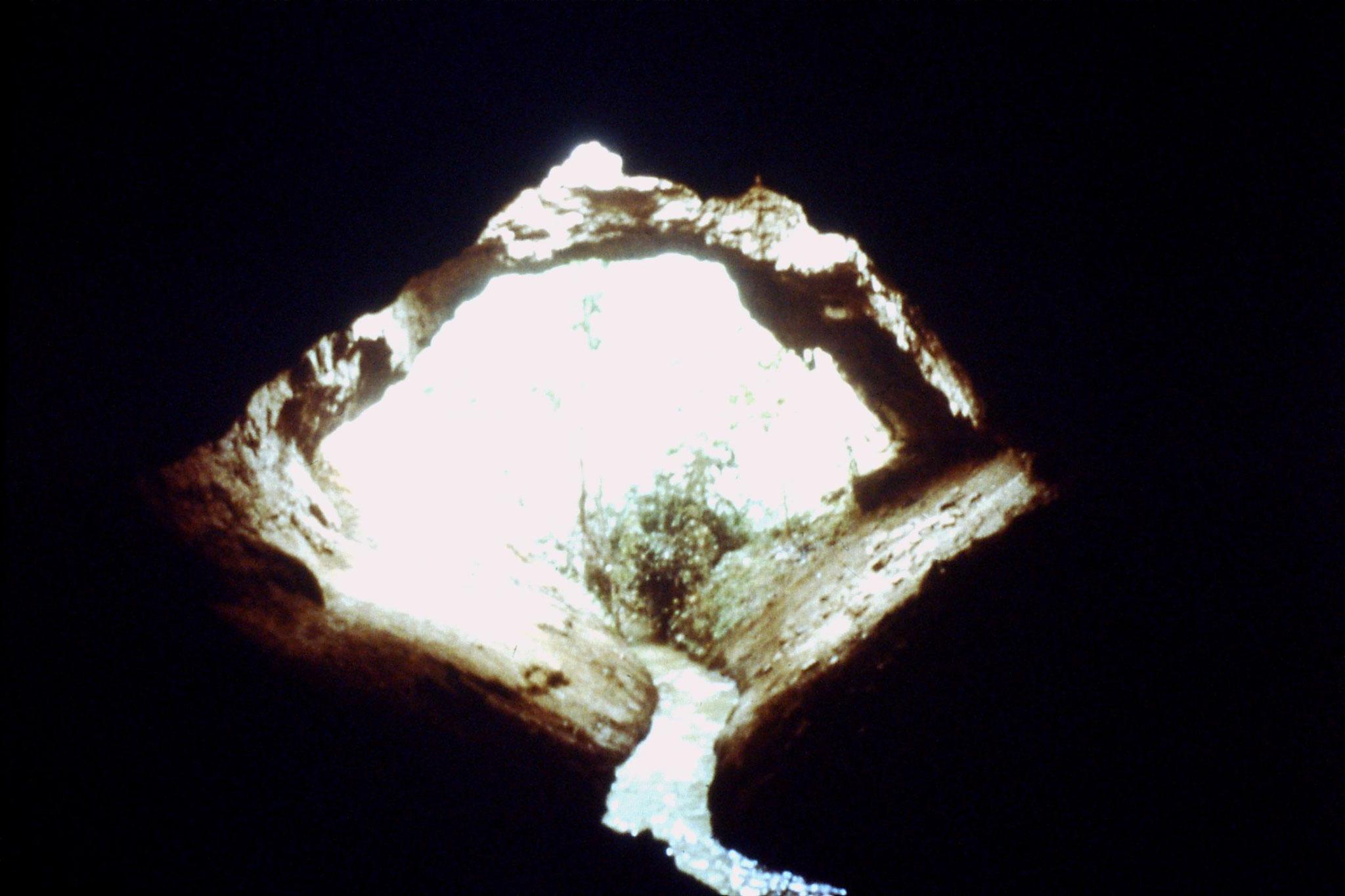 29/8/1989:35: underground irrigation system
