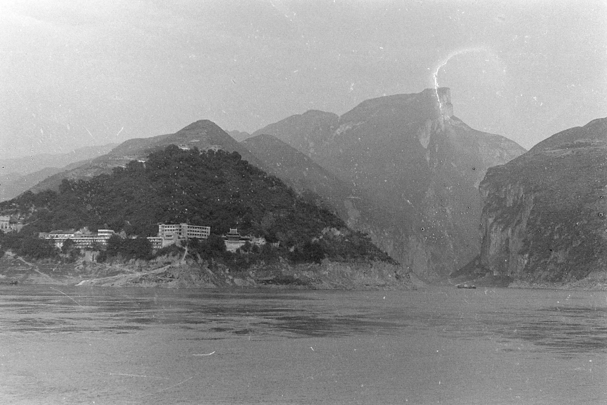 10/8/1989: 17: 1850hrs end of Qutang Gorge