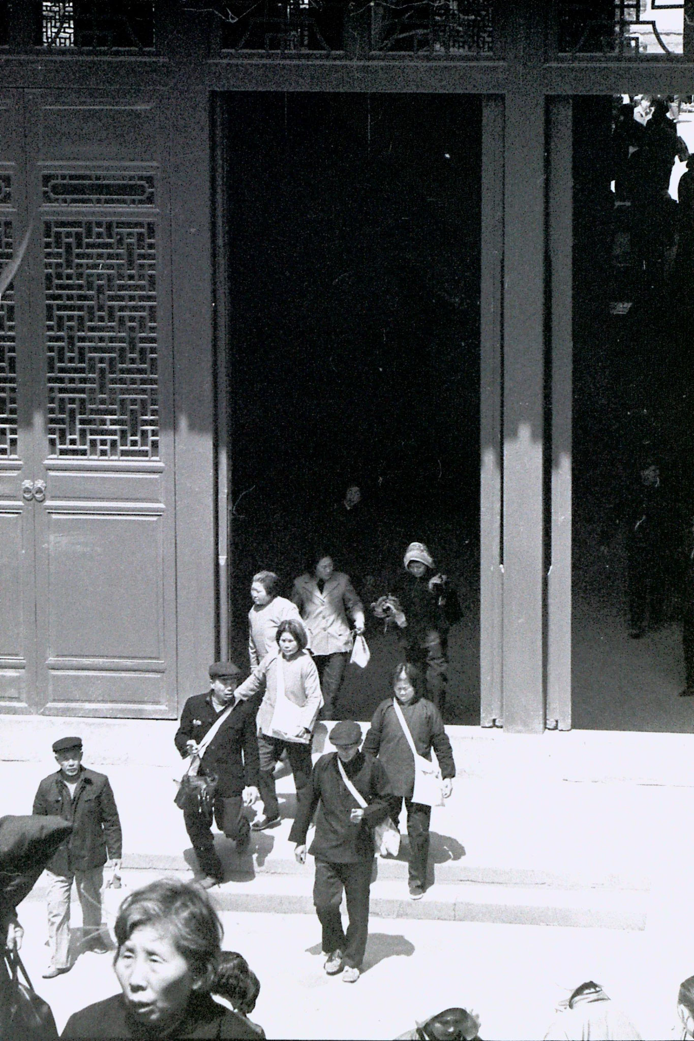 27/3/1989: 4: Hangzhou Lingu Temple pilgrims