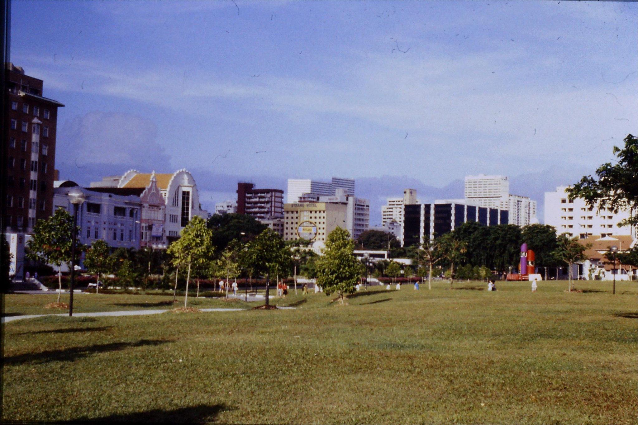 30/6/1990: 30: Dhobi Ghaut MTR stattion