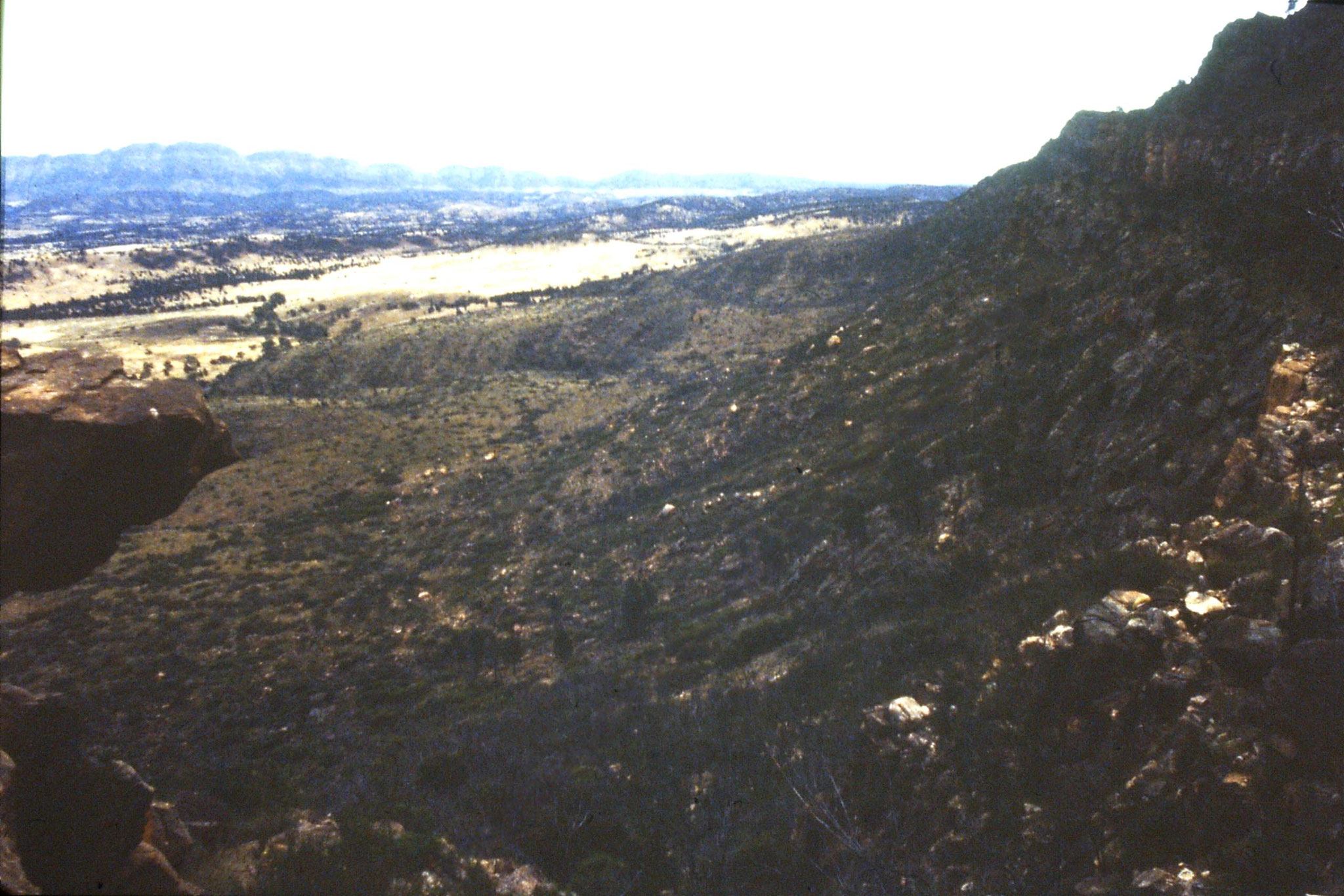 6/11/1990: 32: Flinders Ranges National Park, view toward Salt Lake