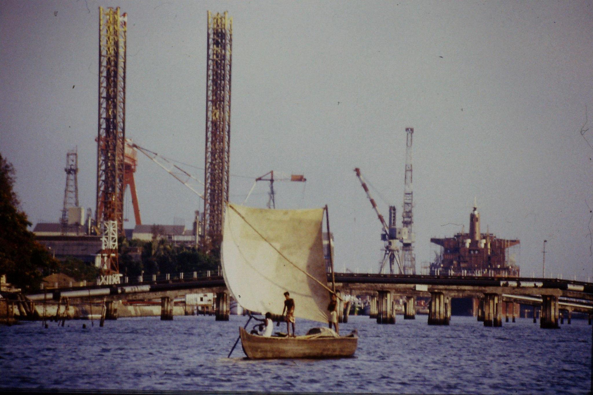 106/15: 24/2/1990 Cochin - sailing boat off Erkunacalam