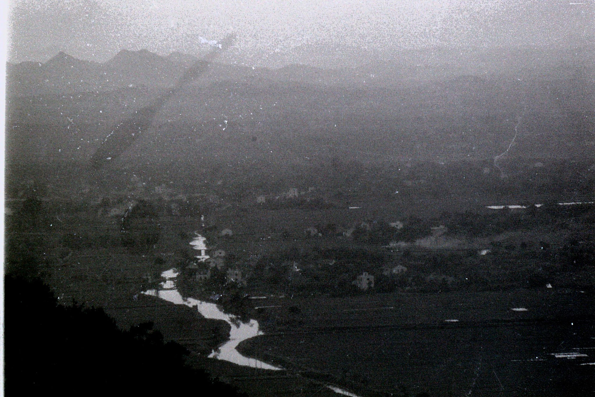 13/6/1989: 17: from Lao He hill - Yan Shan river