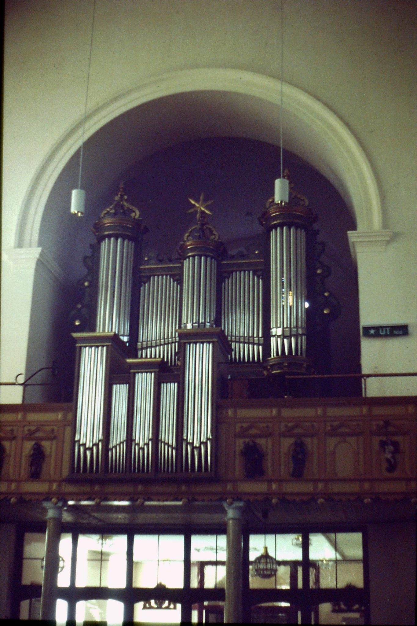 4/9/1988: 27: Granna church