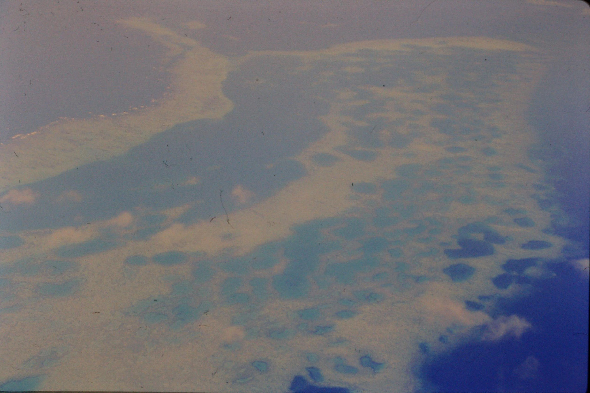 18/11/1990: 19: reefs east of Vita Levu Island