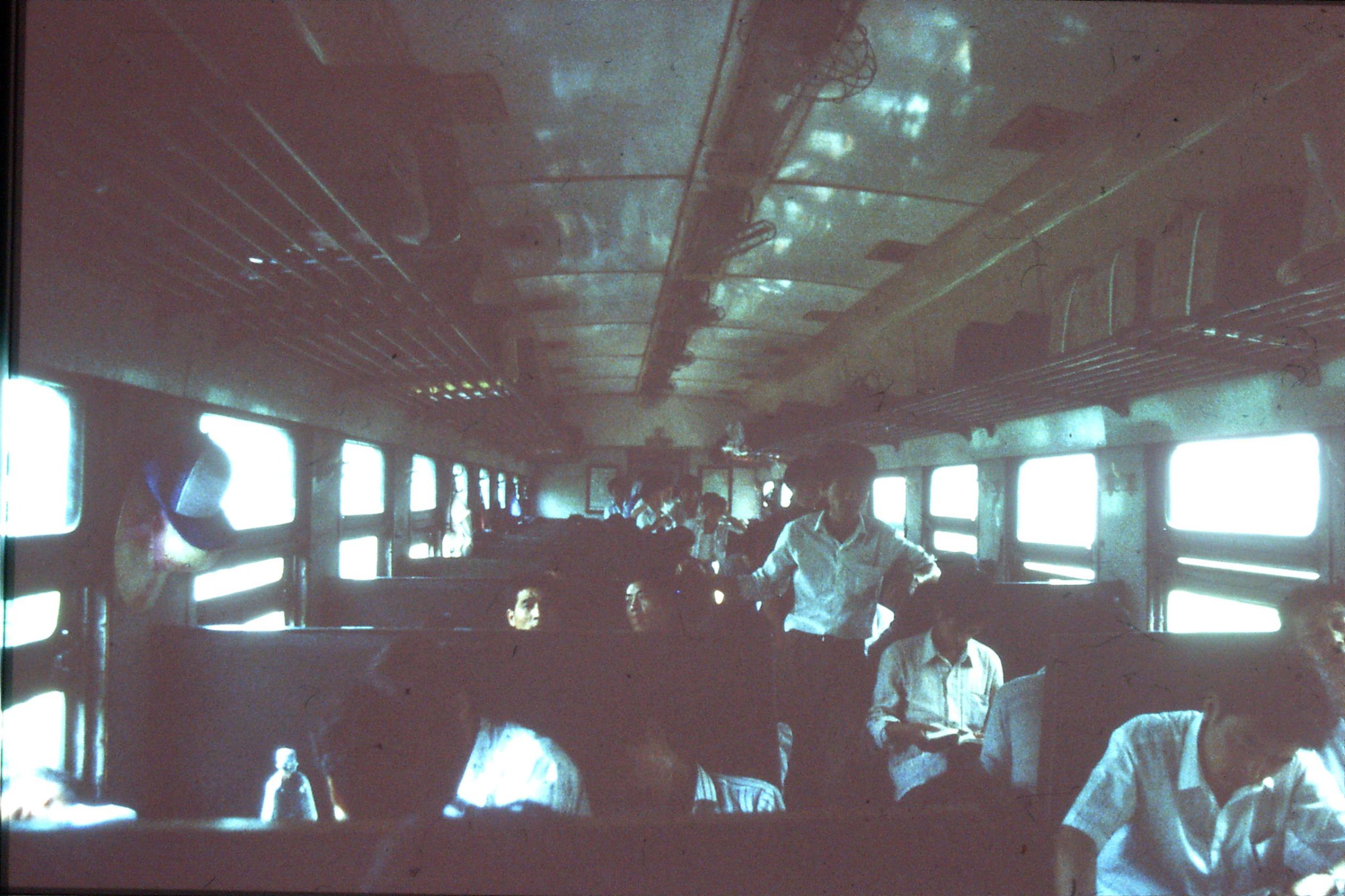 26/6/1989: 16: hard seat carriage to Shaoxing