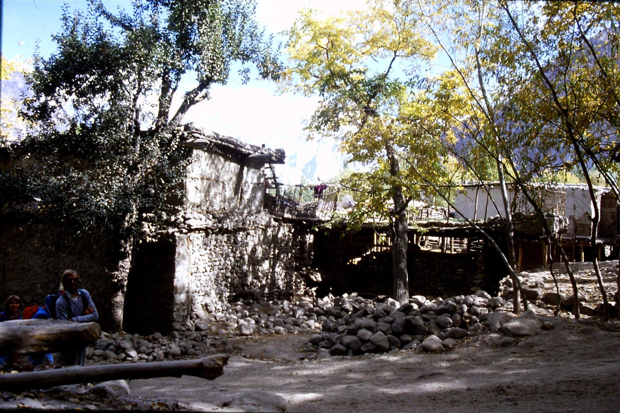 15/10/1989: 30: Khaplu
