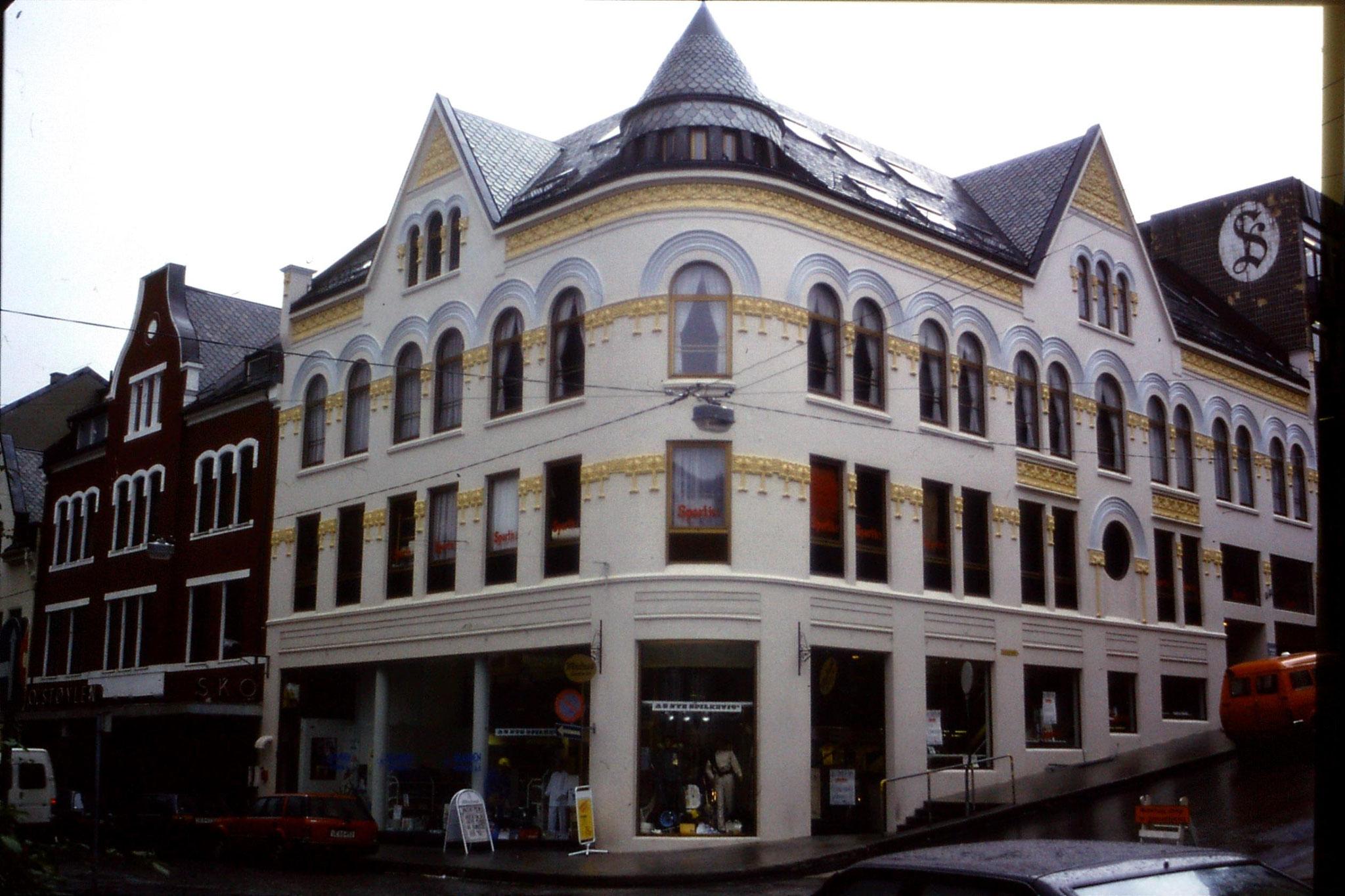 22/9/1988: 13: Alesund jugendstil architecture