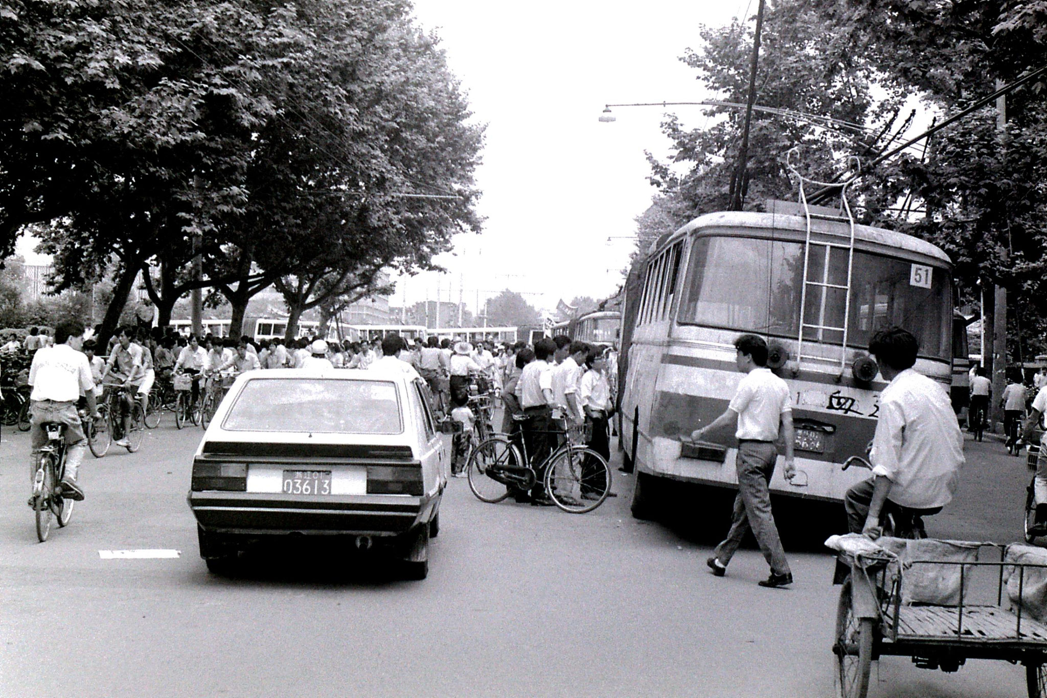 6/6/1989: 26: demonstrations around Hangzhou