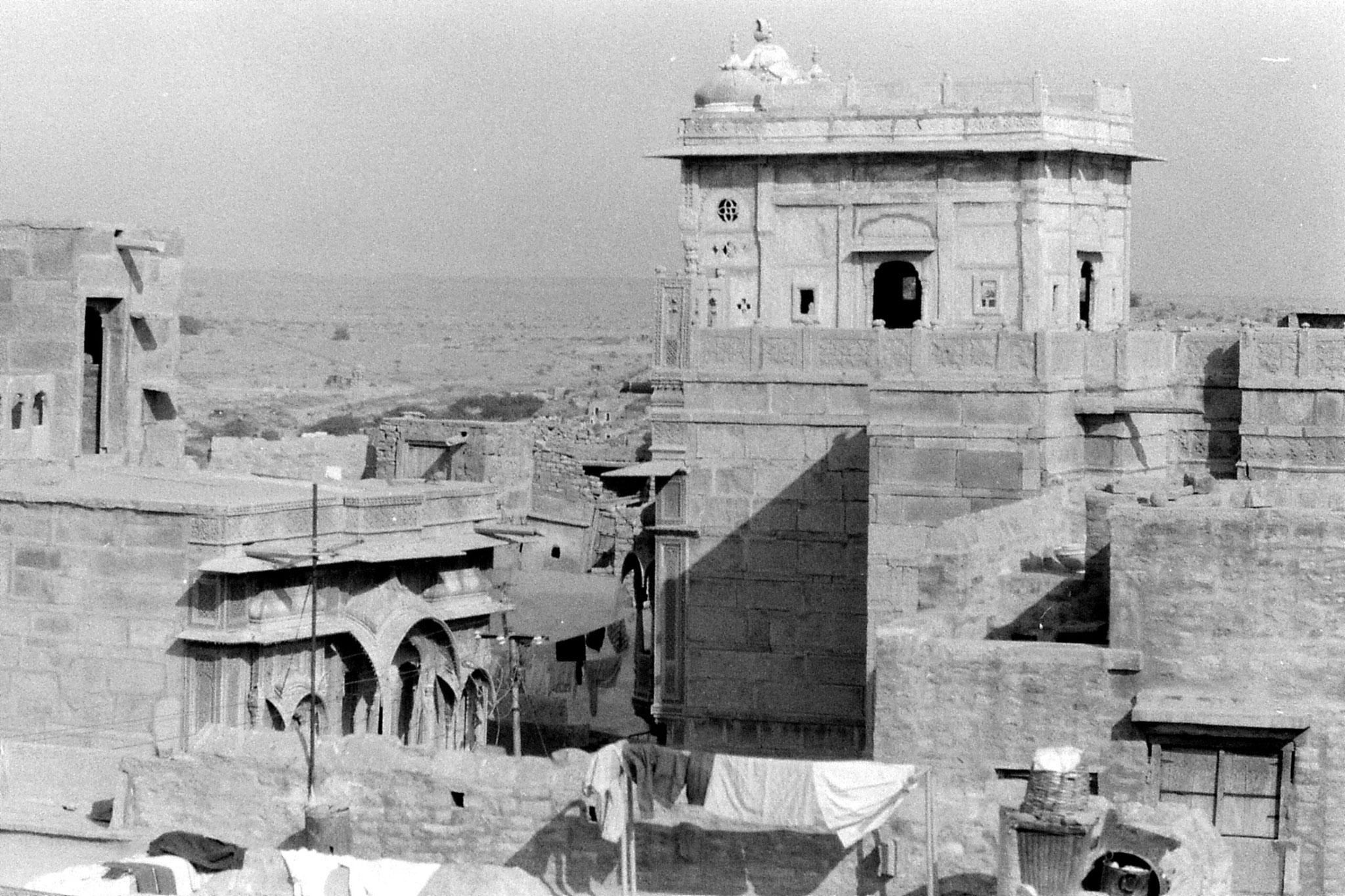 2/12/1989: 11: Jaisalmer NW view