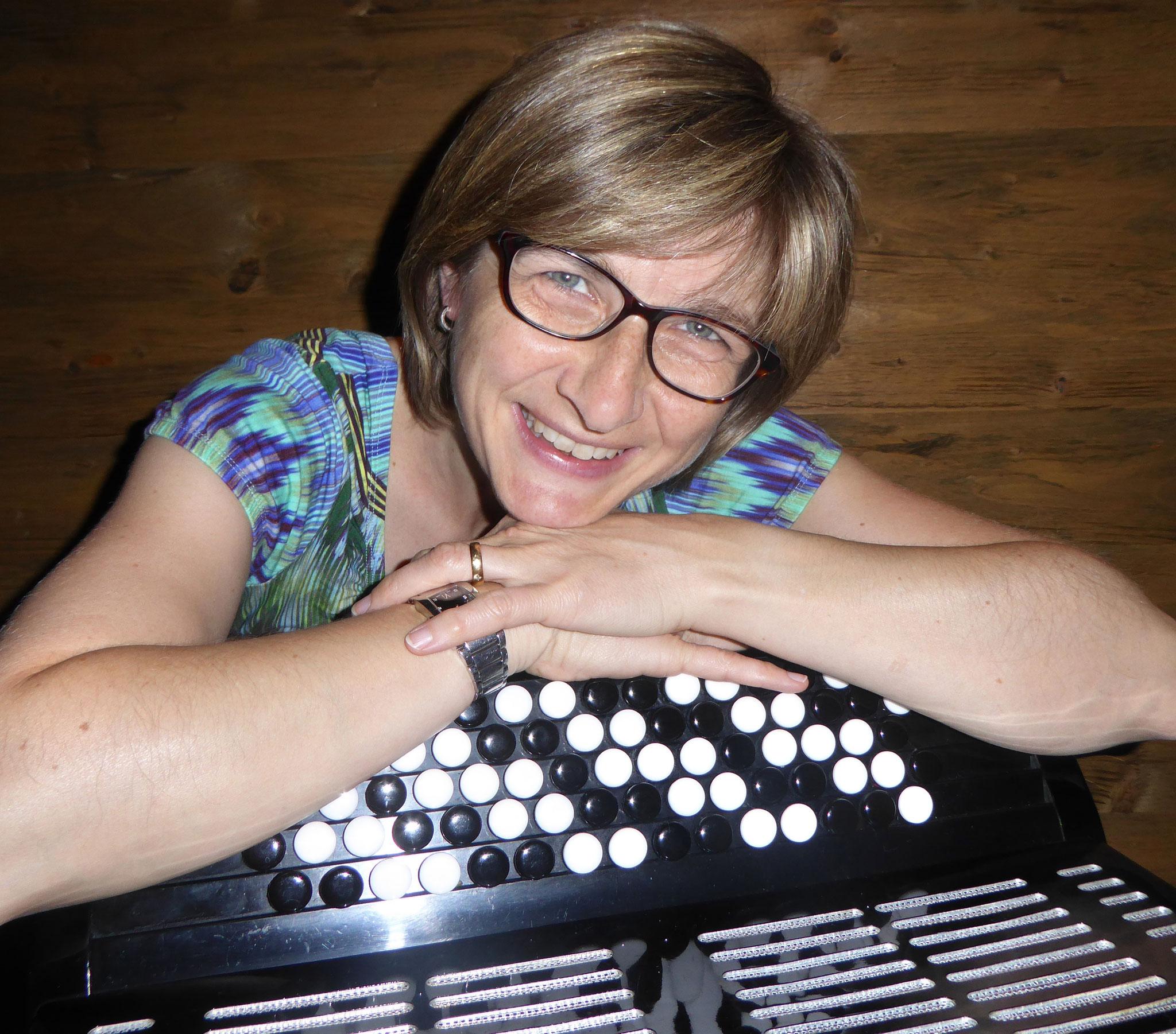 Iris Amacher (Bass)