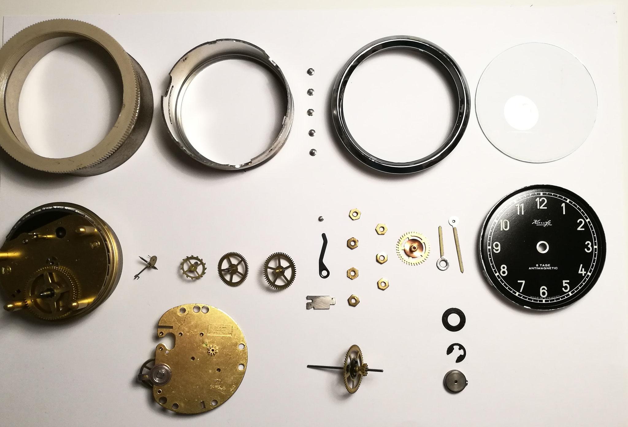 Kienzle 8-Tage Handaufzug Uhrwerk schwarz