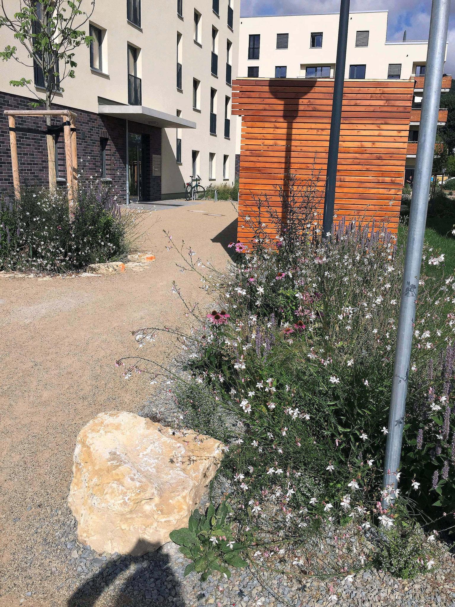 Zugang zum östlichen Hof