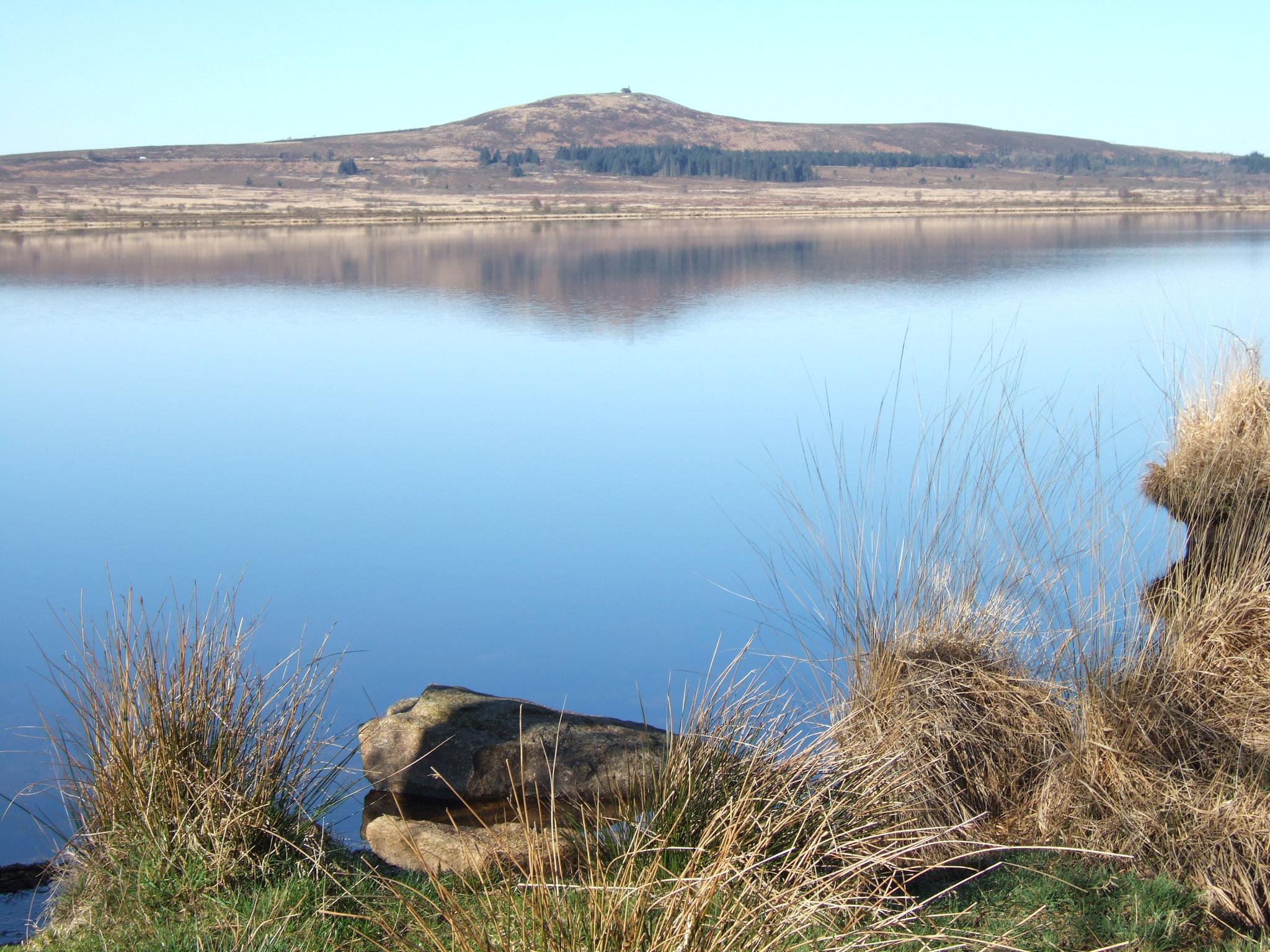 Le lac Saint Michel (Botmeur, Brennilis, Loqueffret et Brasparts)