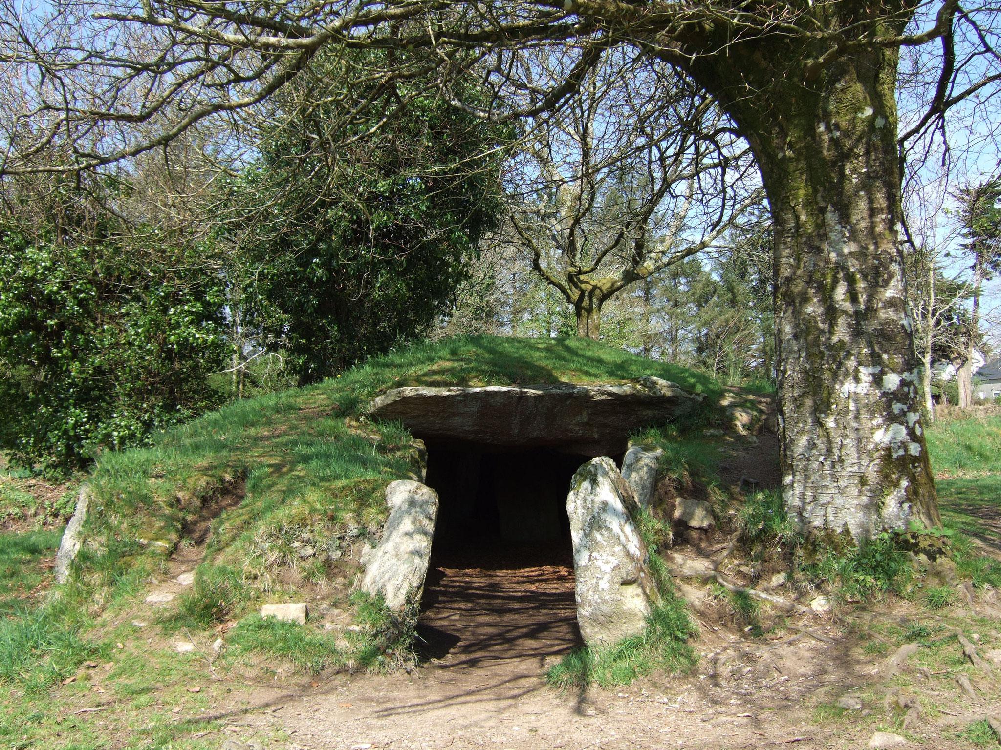 Le dolmen Ti ar Boudiged (Brennilis)