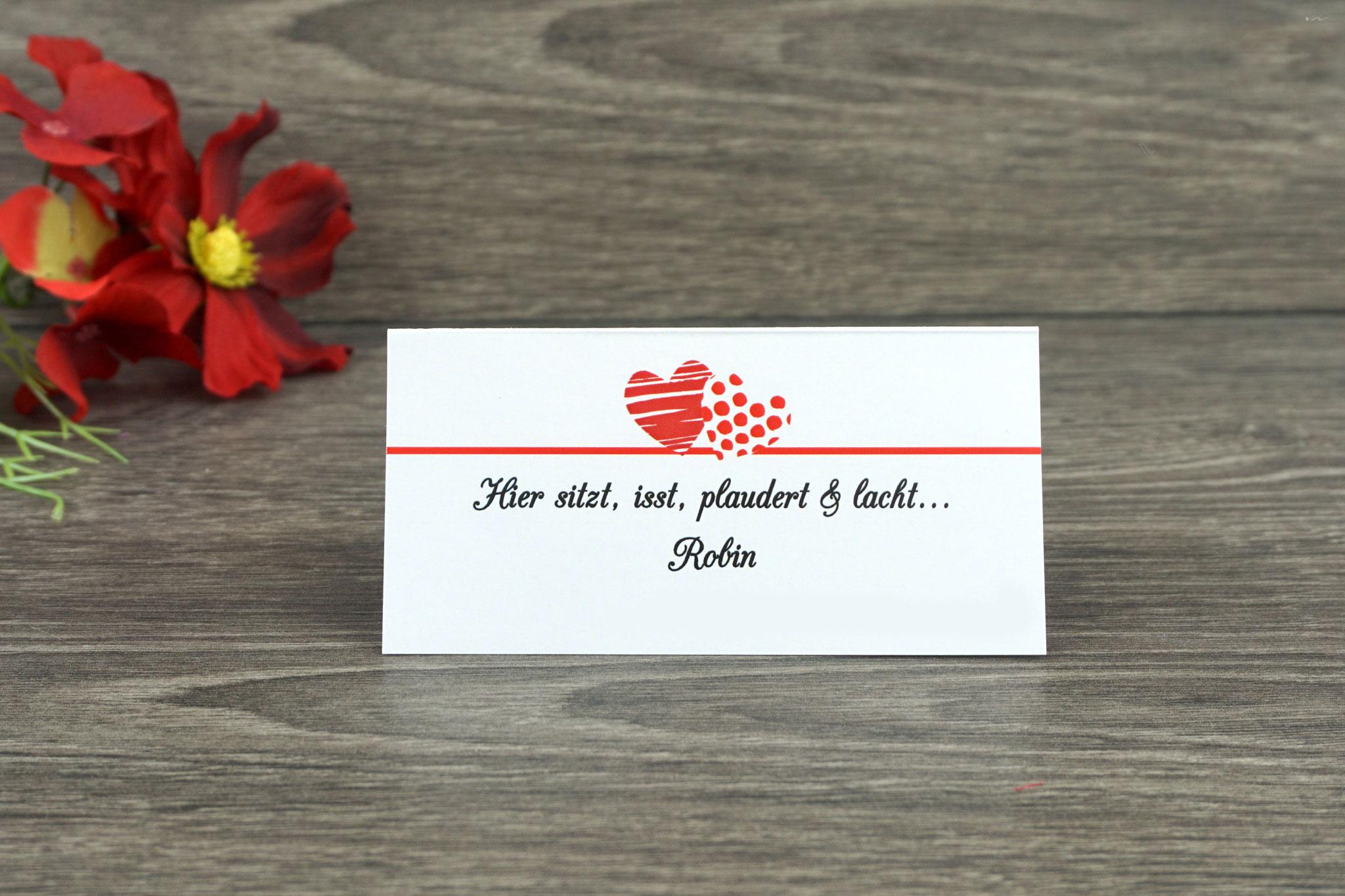 "Platzkarte Design ""zwei Herzen"", Farbe rot, Schrift CAC Champagne"