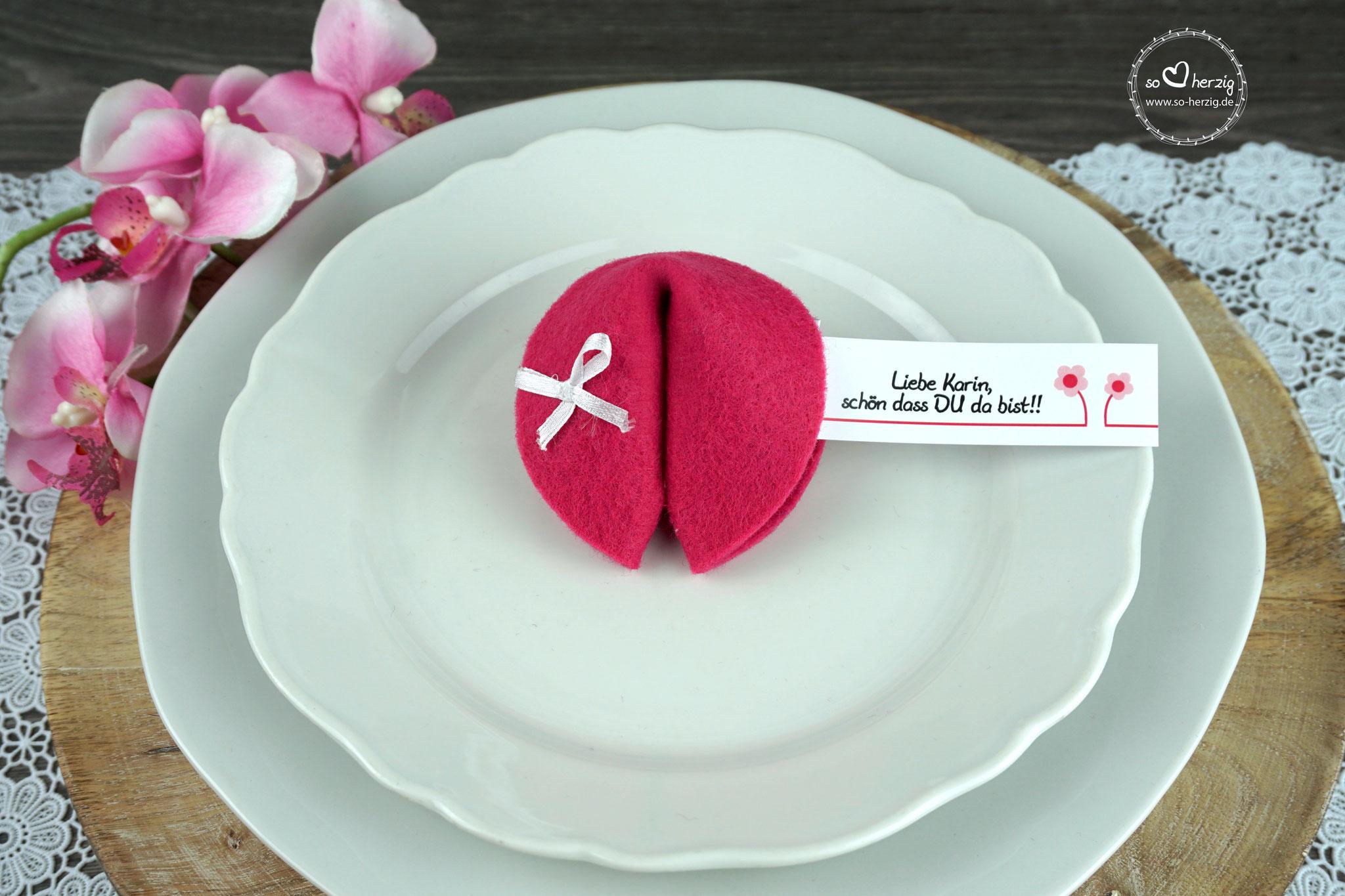 """Filzkeks klein Pink, Fähnchen Design """"Blümchen"""""""