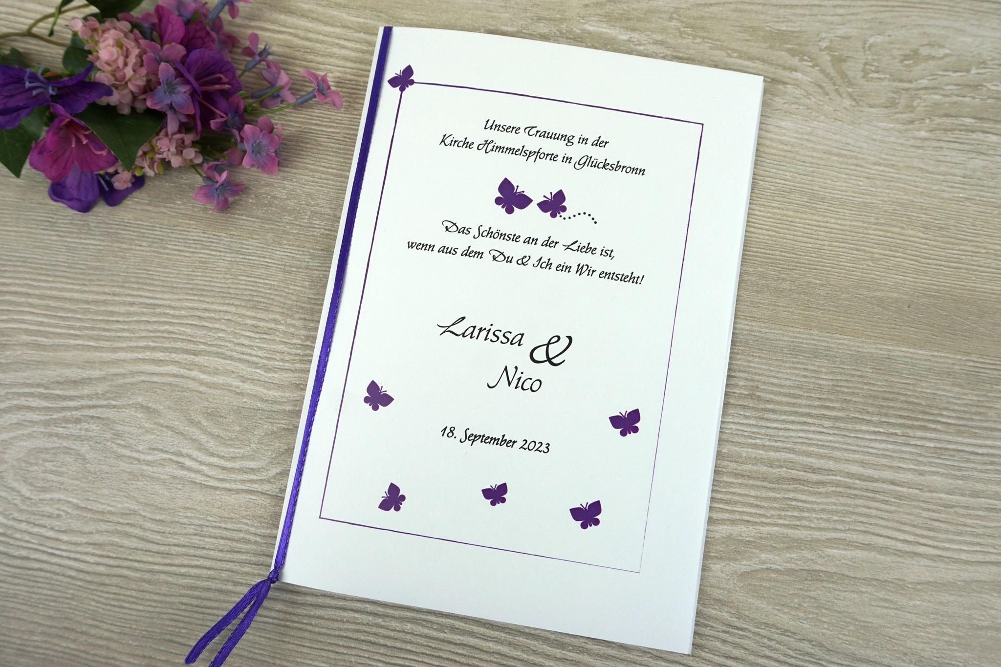 """Kirchenheft Variante """"mit einem Einlegeblatt & Bindung"""" - Design """"Schmetterlinge lila"""", Schrift Amalthea Zierbuchstaben"""