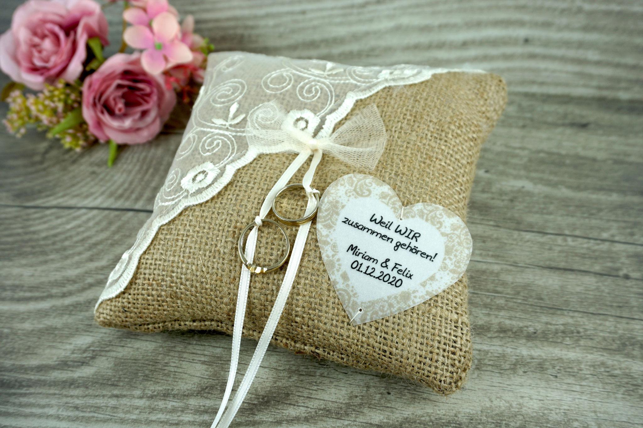 Ringkissen Jute mit Tüllschleife und Herz aus Pergamentpapier