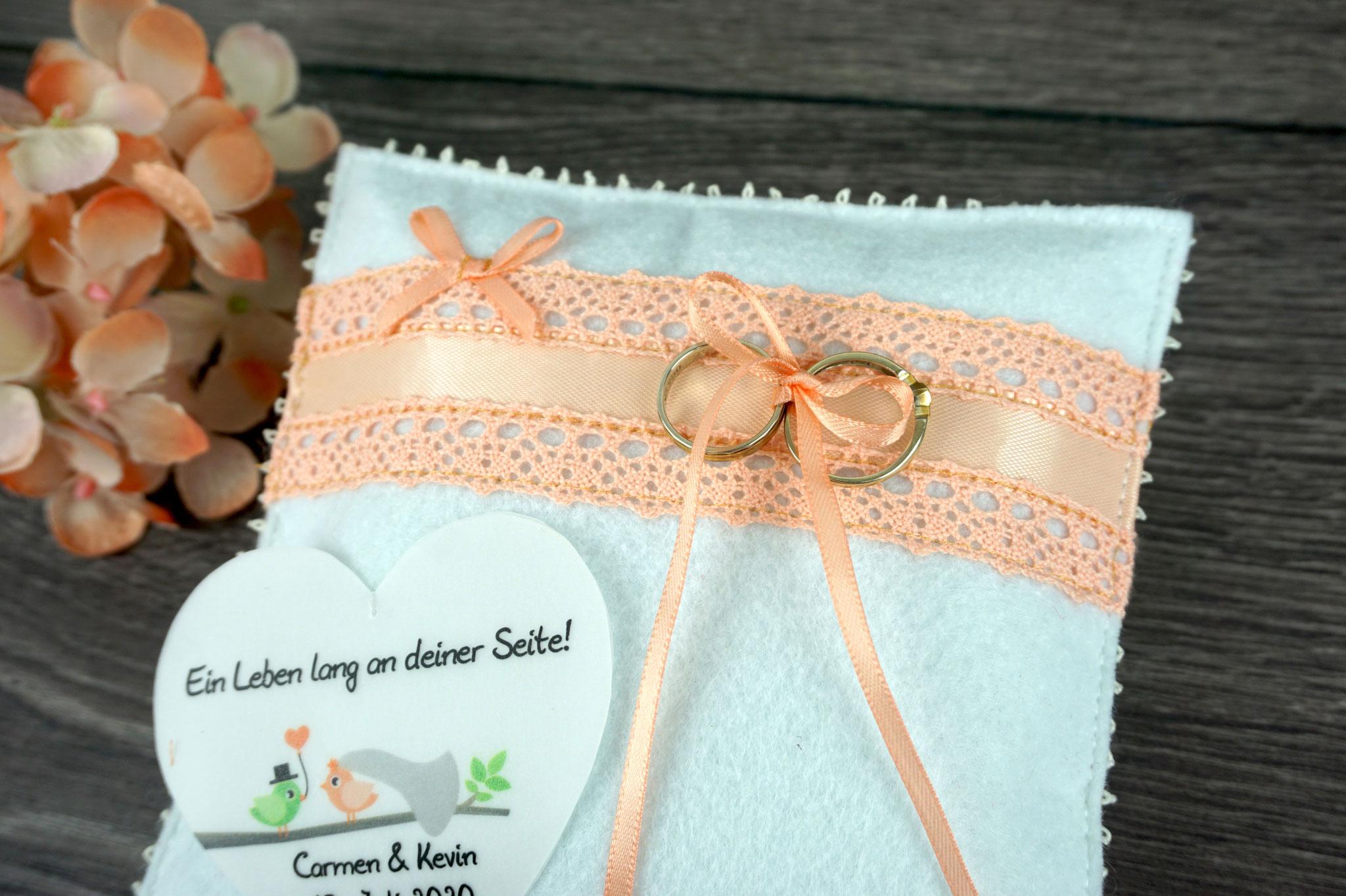 Ringkissen Hannah ohne Filzblüte, Filz Weiß/Spitze Apricot