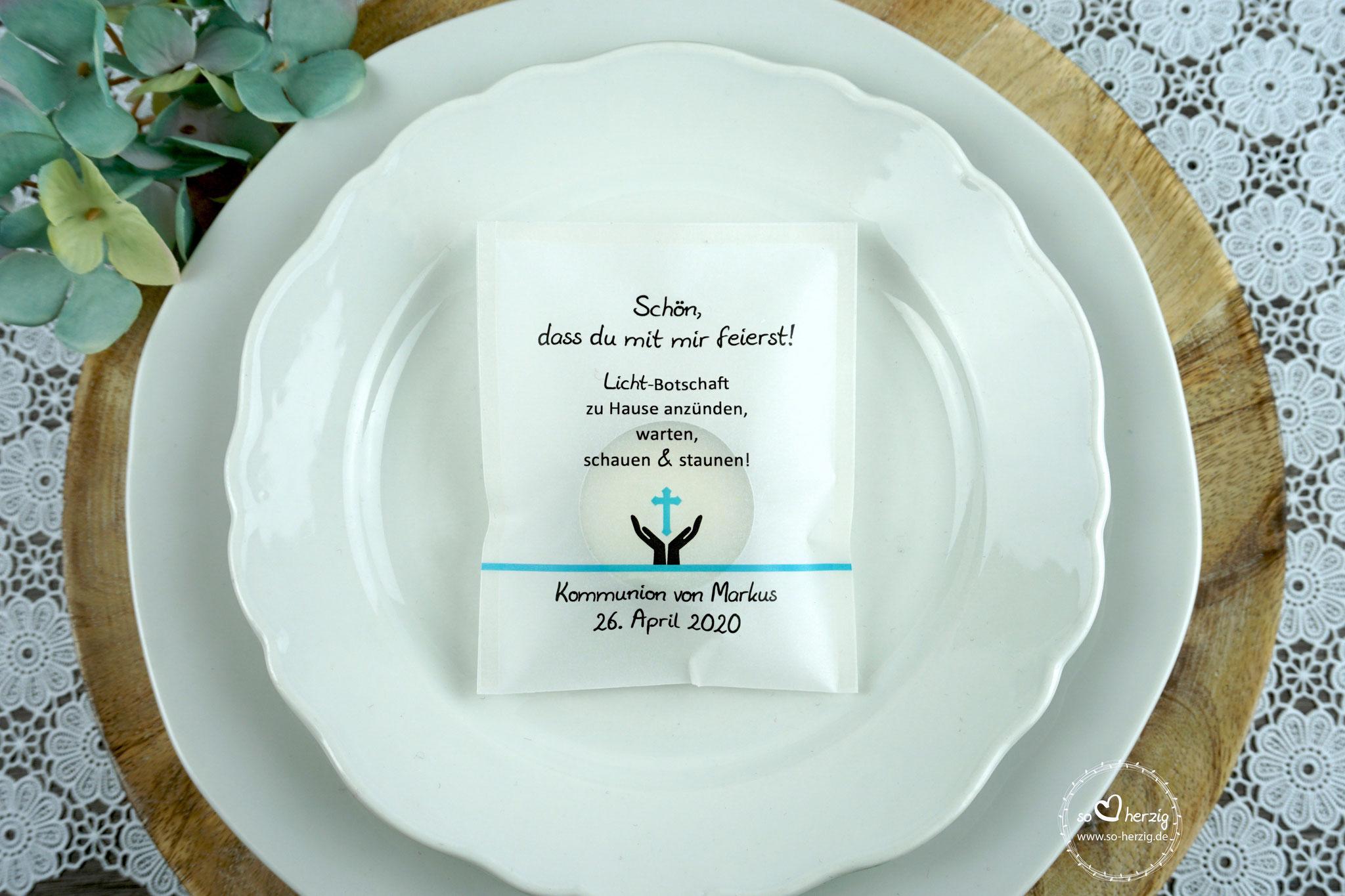 Licht-Botschaft Design Hand/Kreuz aqua