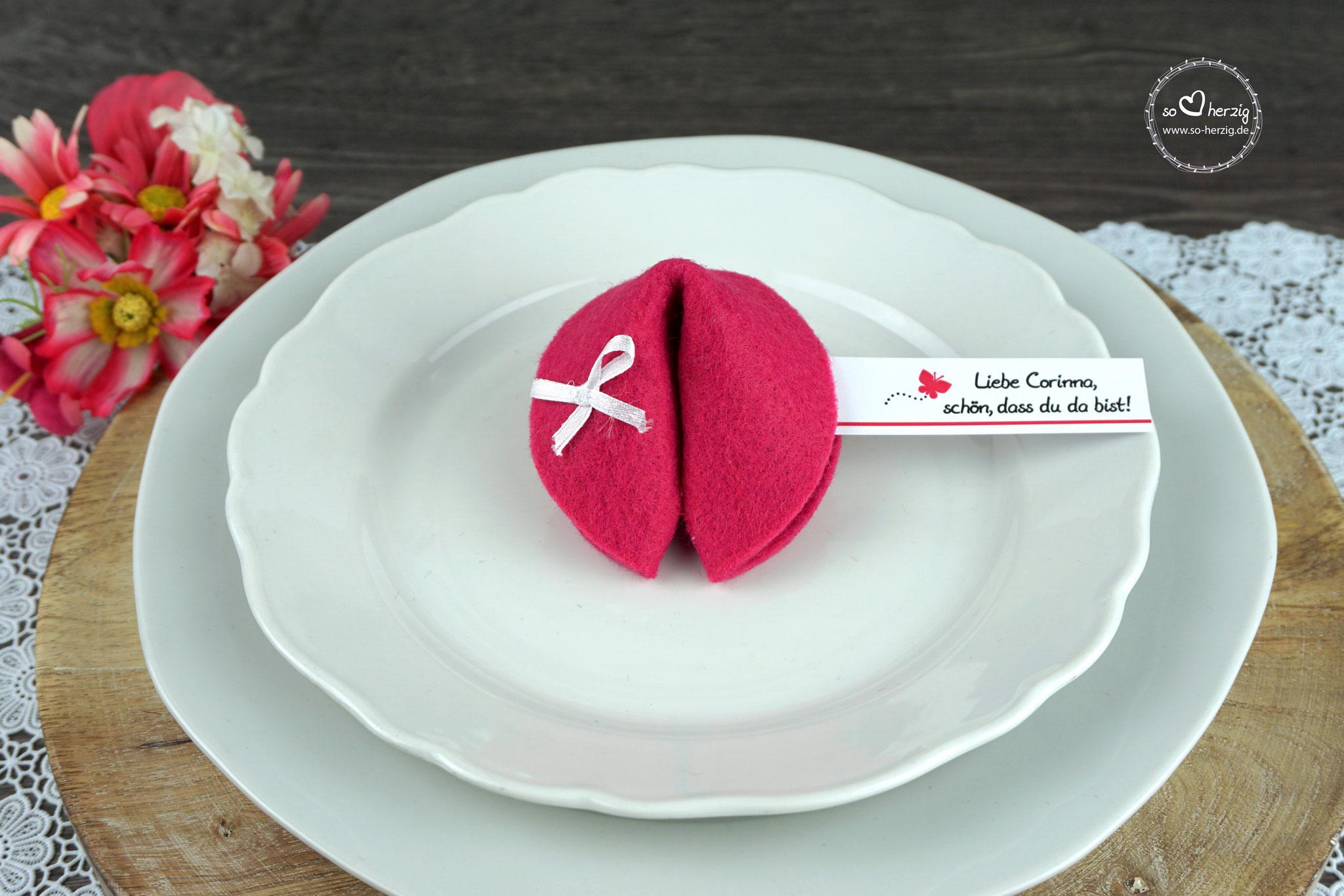 """Filzkeks klein Pink, Fähnchen Design """"Schmetterling"""""""
