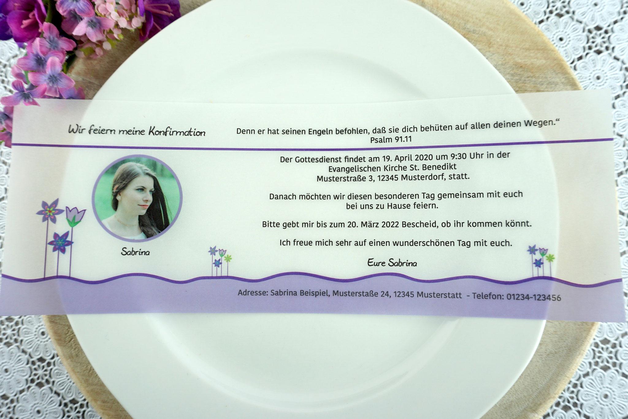 Einladungskarte aus Pergamentpapier Design Blumenwiese lila