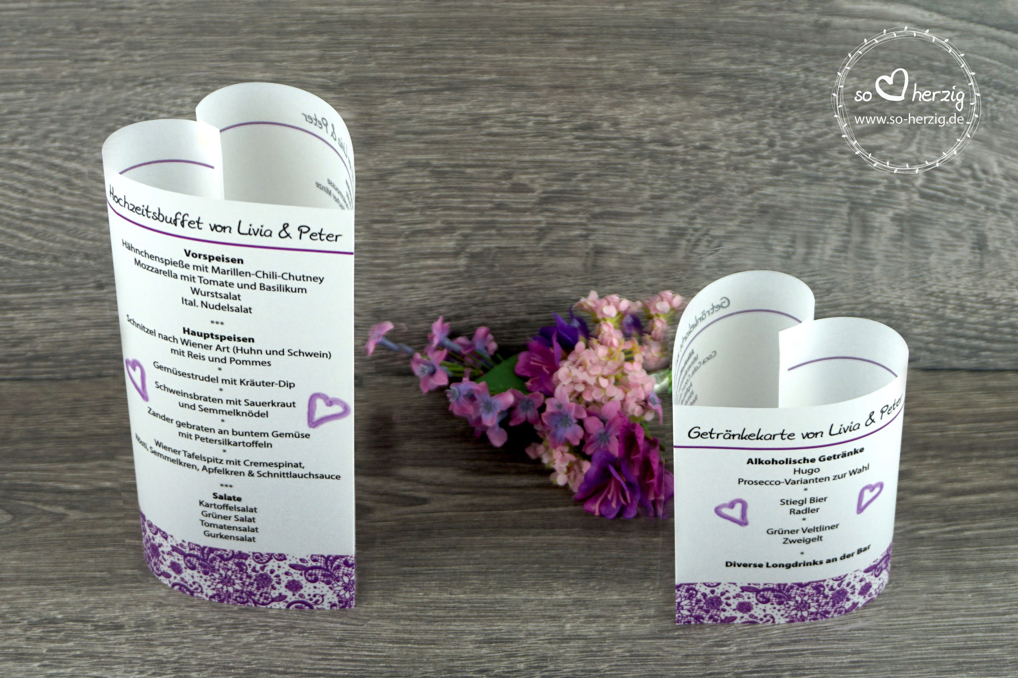 "Menükarten ""Herzform"" Design Spitzenband, Farbe lila, Schrift Julius B Thyssen"