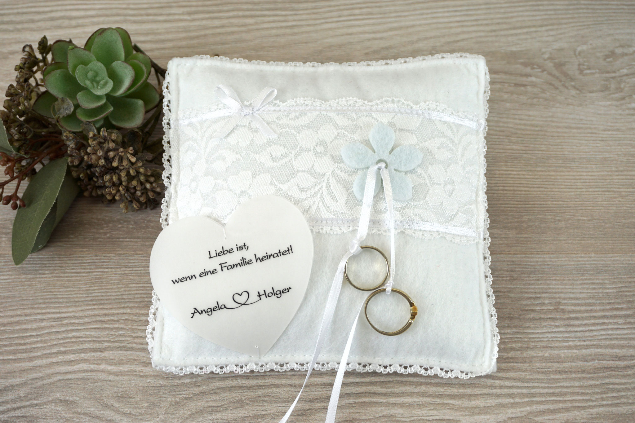 Ringkissen Mila - Satinband Weiß
