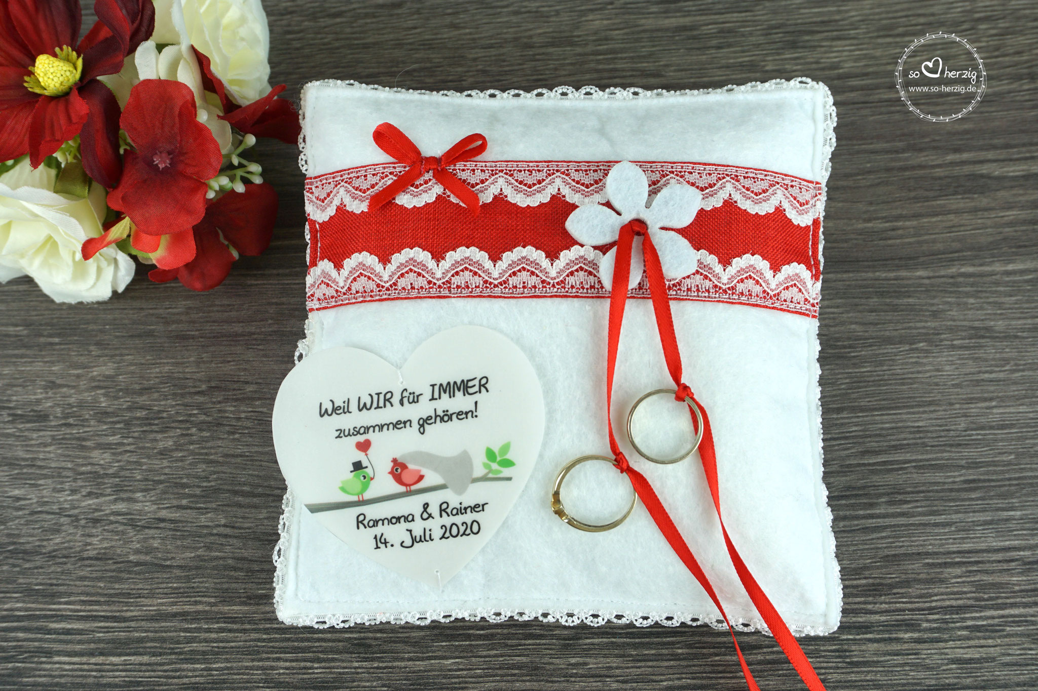 Ringkissen Emely Rot mit Filzblüte