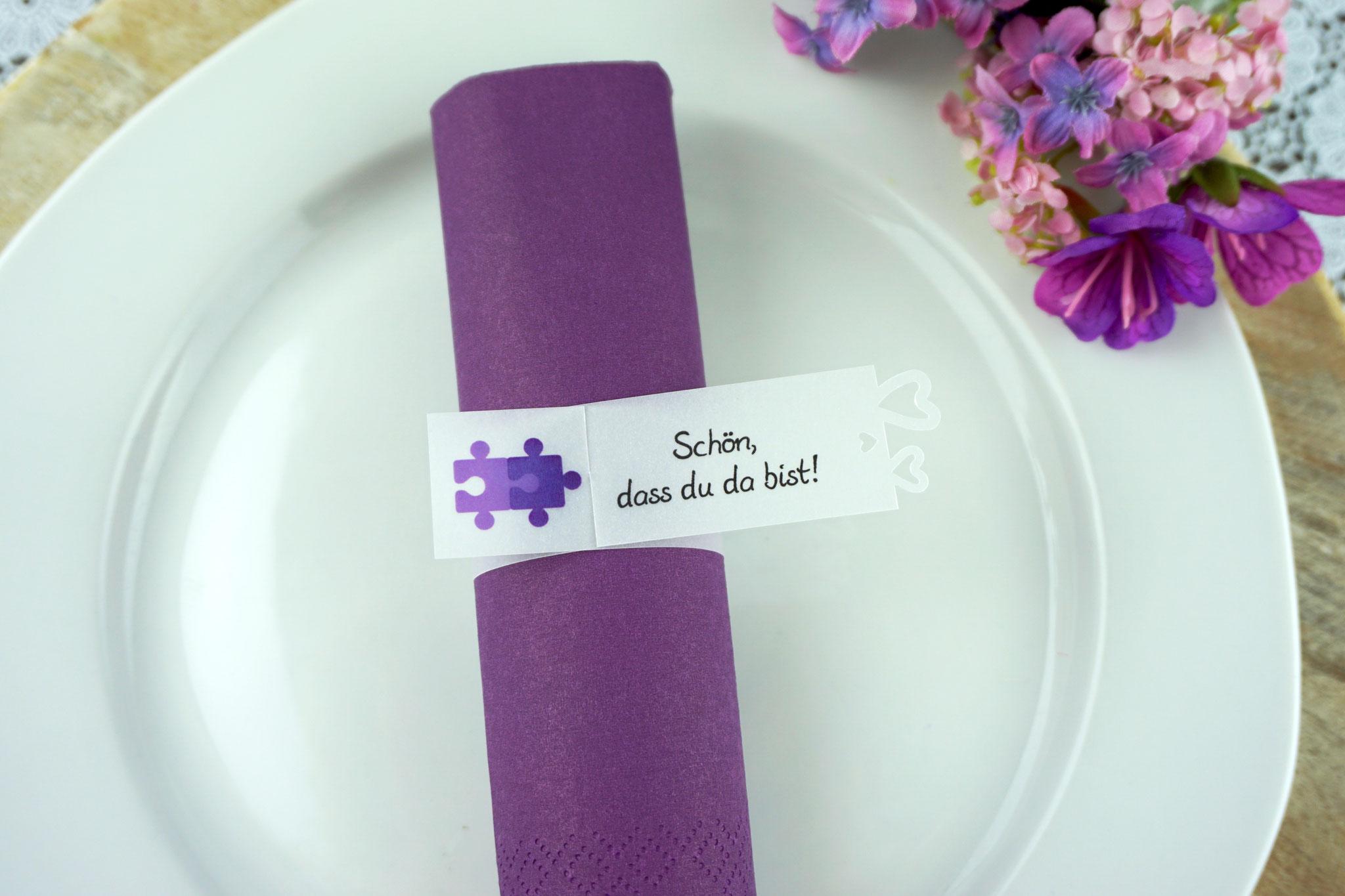 Serviettenring Design Puzzle lila, Ausstanzung Herzrand