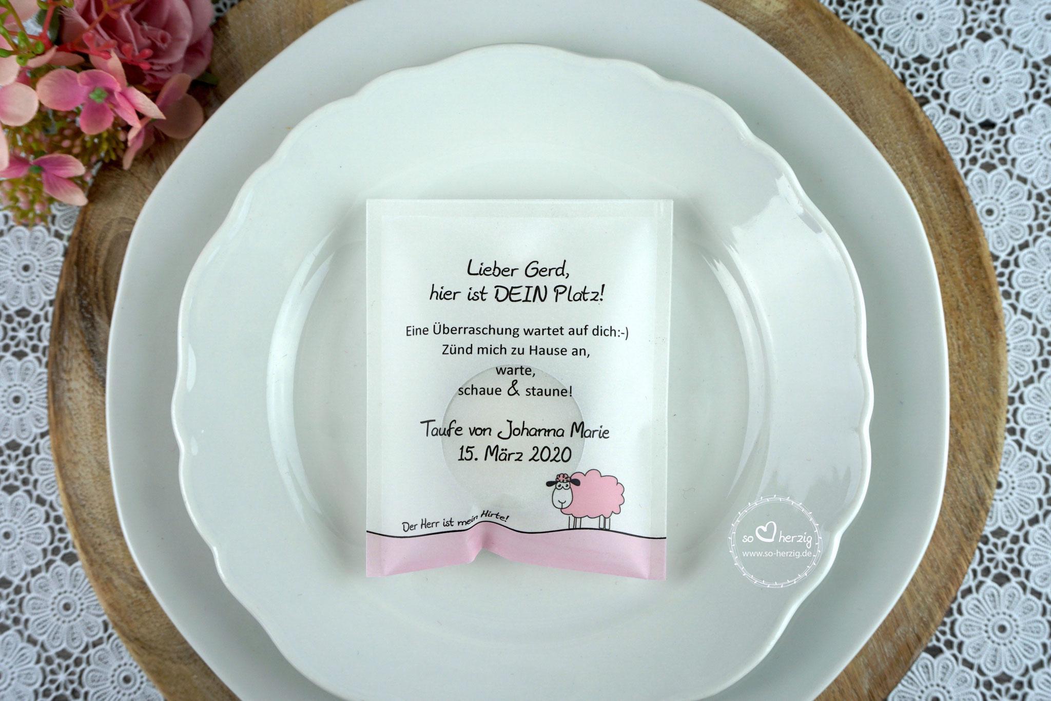 """Licht-Botschaft """"Verpackung als Platzkarte"""", Design """"Schaf"""" rosa, Schrift Julius B Thyssen - Sonderanfertigung unterer Rand rosa"""
