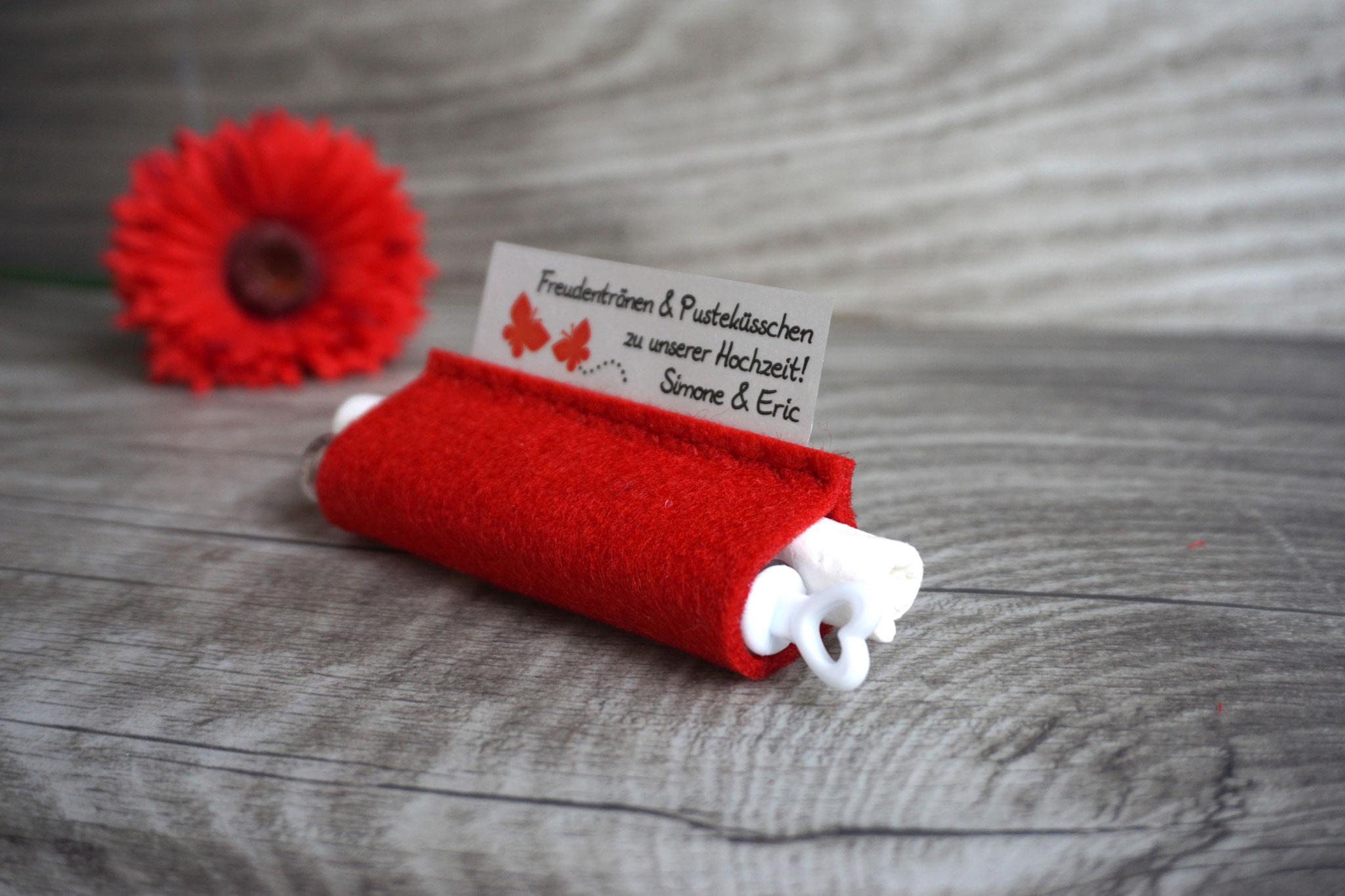 Freudentränen Taschentücher mit Weddingbubbles, Filz rot, Design Schmetterlinge