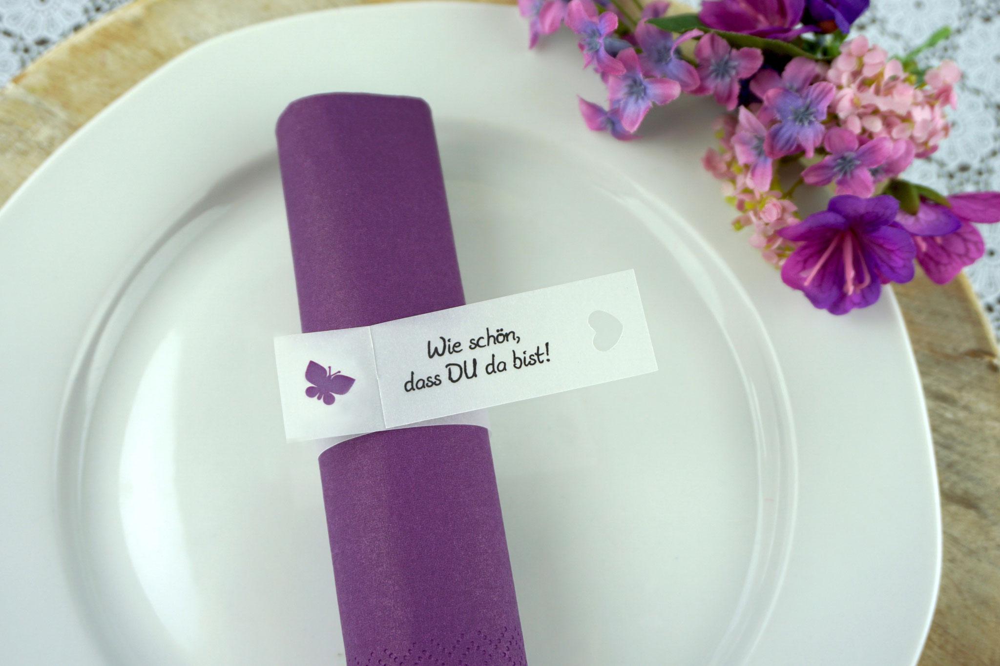 Serviettenring Design Schmetterling, Farbe Lila, Randabschluss Herz