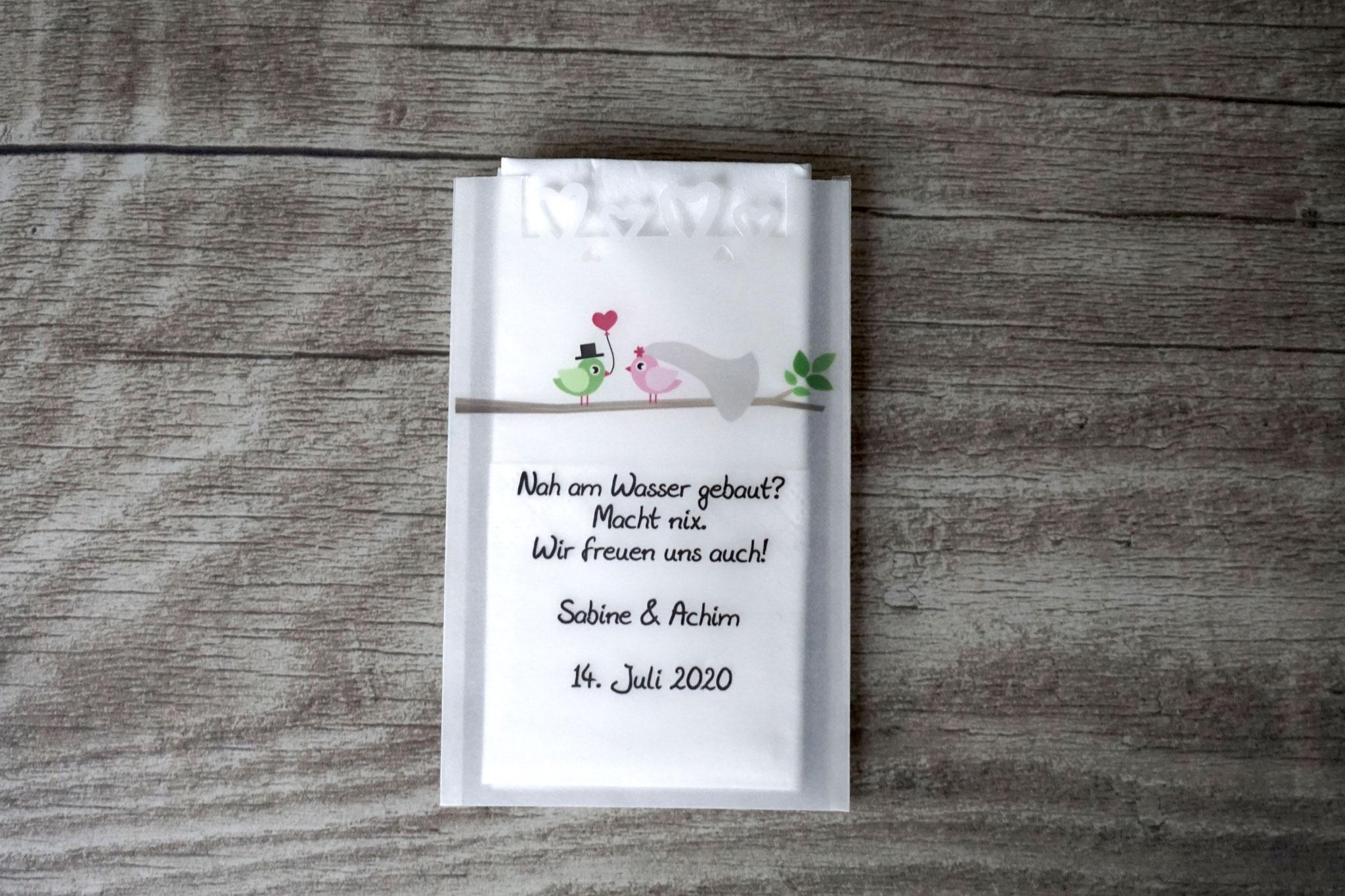 Freudentränen Taschentücher Design Hochzeitsvögel auf Ast, Farbe Rosa/Grün mit Herzrand