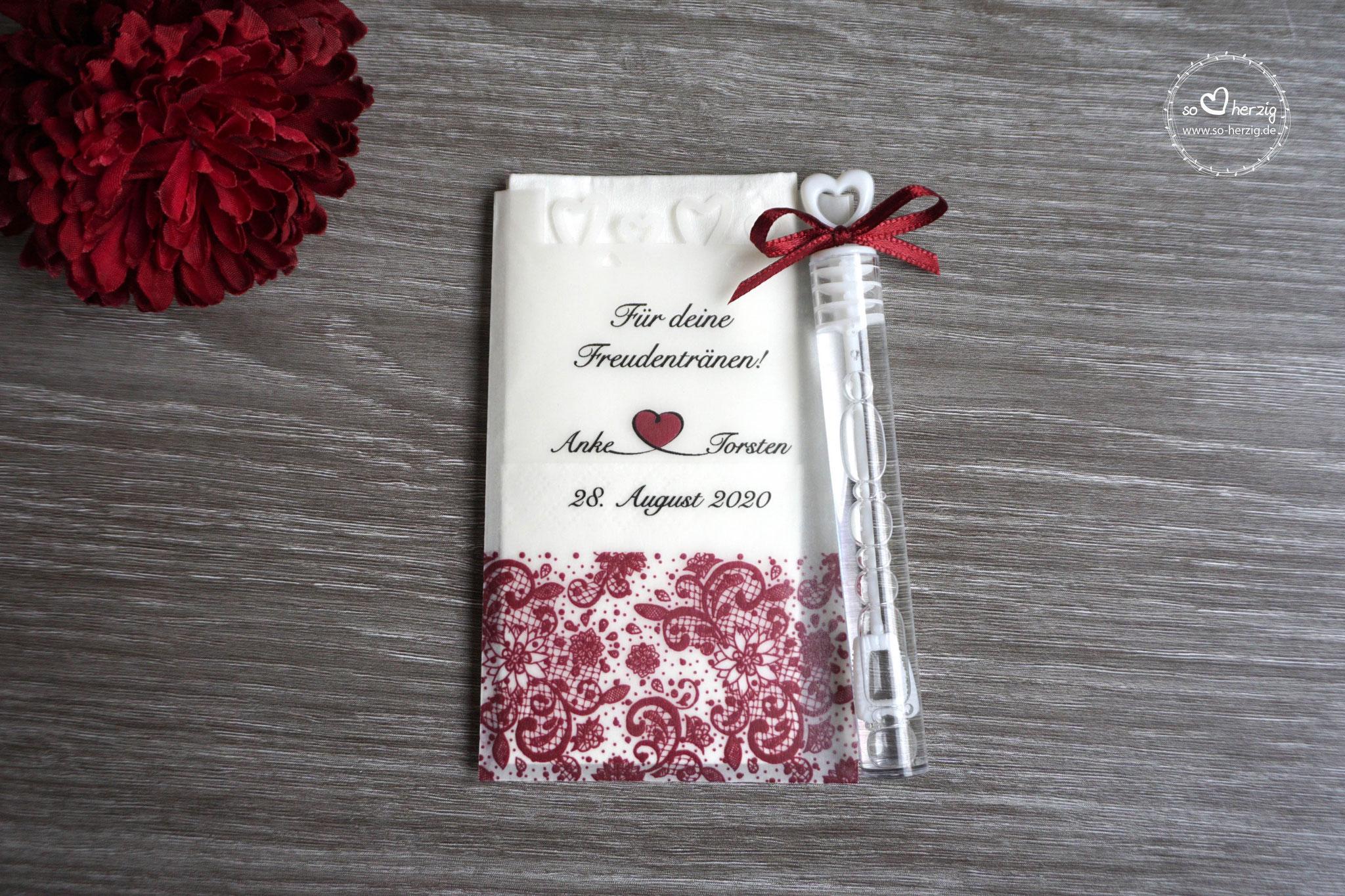 Freudentränen Taschentücher mit Herzrand und Seifenblasen, Design Spitzenband, Farbe Bordeaux, Satinband