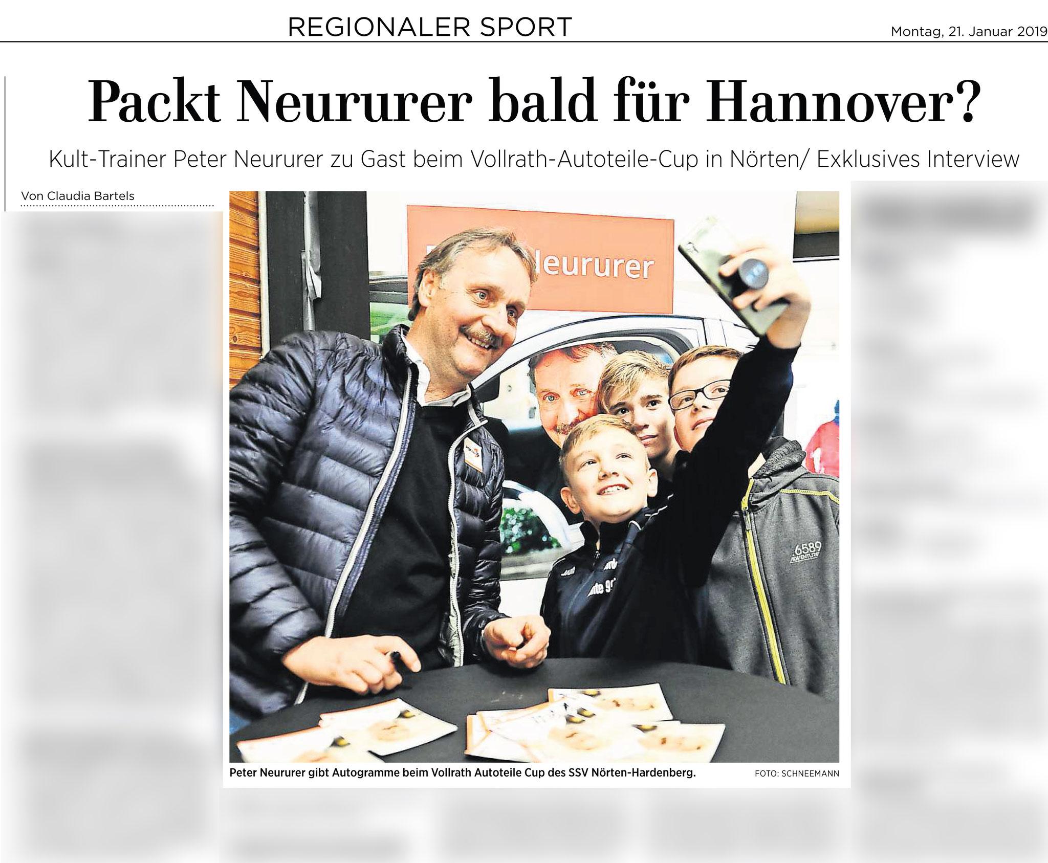 Göttinger Tageblatt 21.01.2019. Profitrainer Peter Neururer gibt Autogramme in Nörten