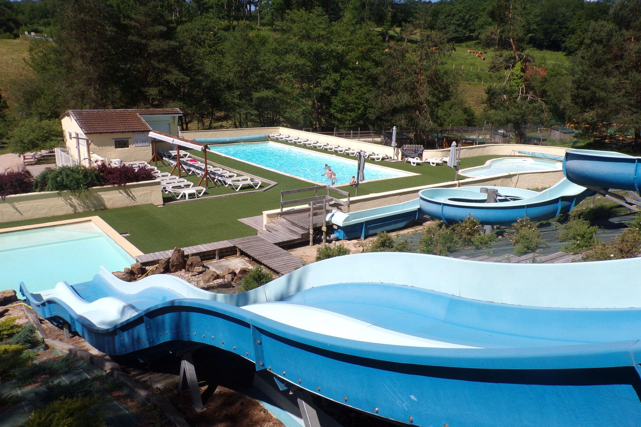 Camping familial en vall es lot dordogne espace aquatique for Petit camping familial avec piscine