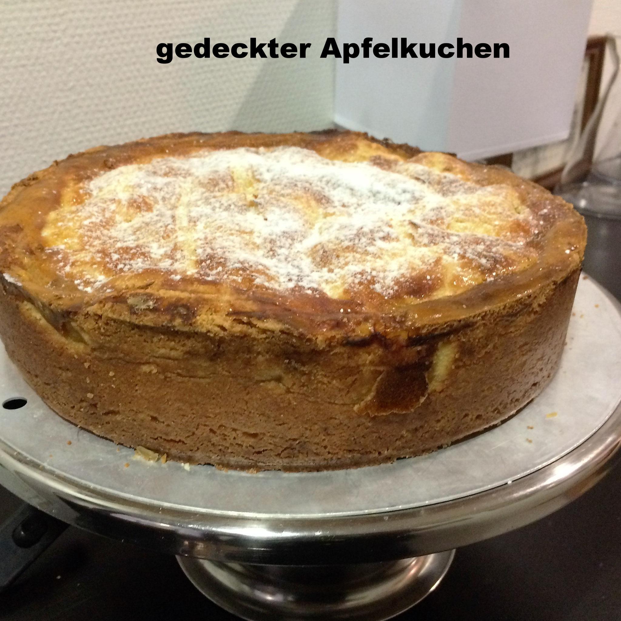 Kuchen Und Eis Essen Und Trinken Im Rathaus Cafe Usingen