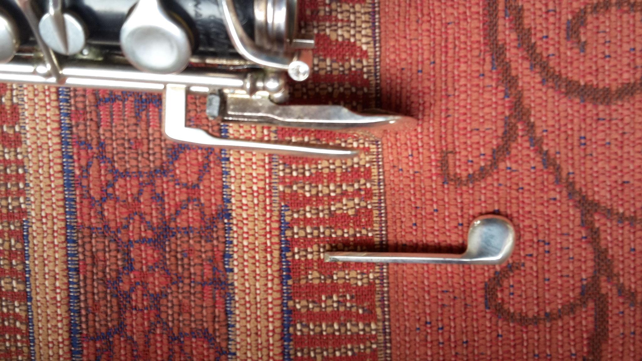 abgebrochene B-Klappe an einer Oboe von 1970