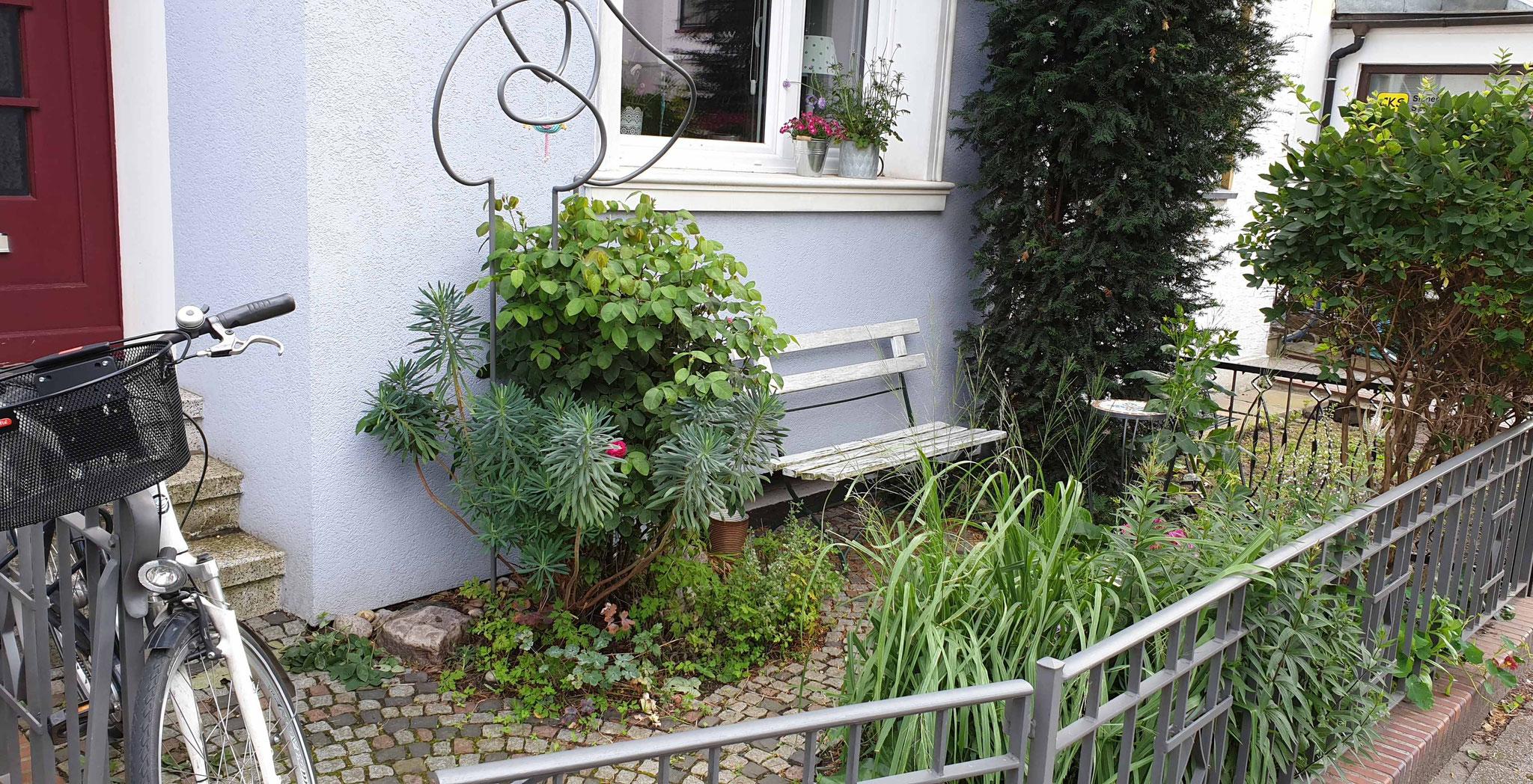 1. Preis : Vorgarten Augsburger Strasse 5 / Jutta & Jens Jürgens