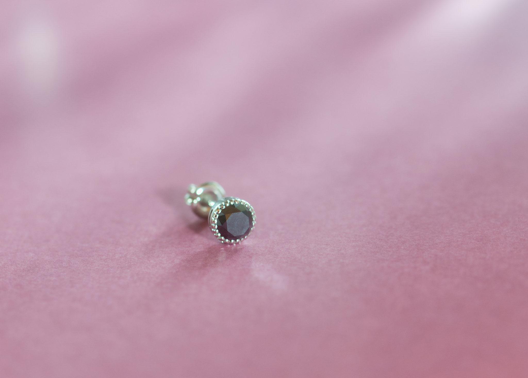 フルオーダーピアス0.5ペア Pt950 ブラックダイヤモンド 0.32ct