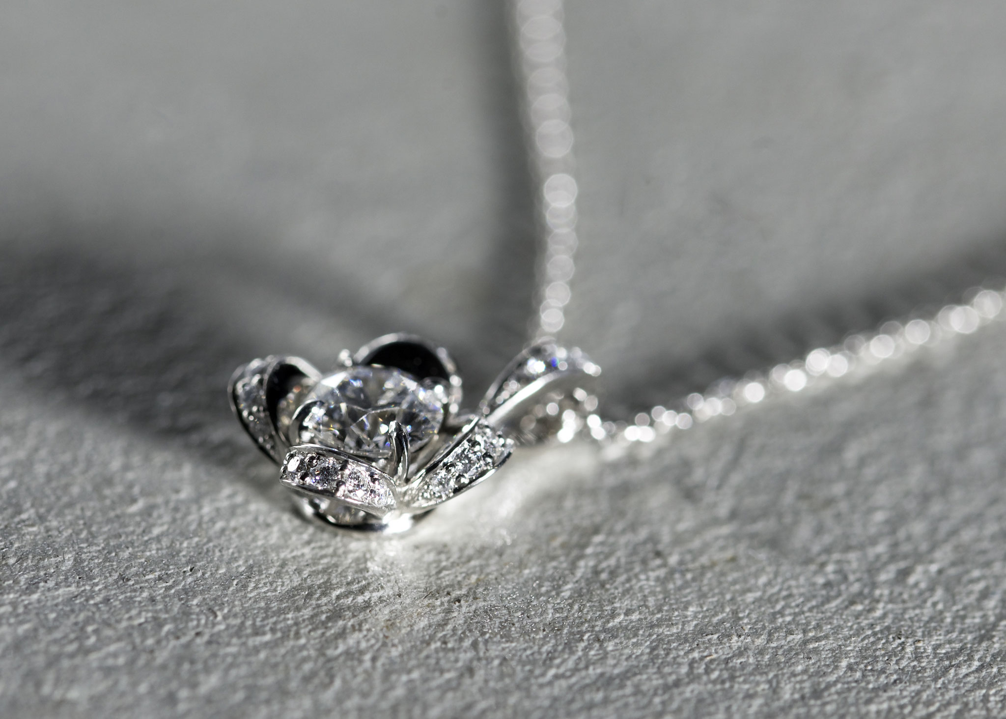 フルオーダーリフォーム Pt950×持ち込みダイヤモンド /0.615ct×メレダイヤモンド 0.107ct/23P