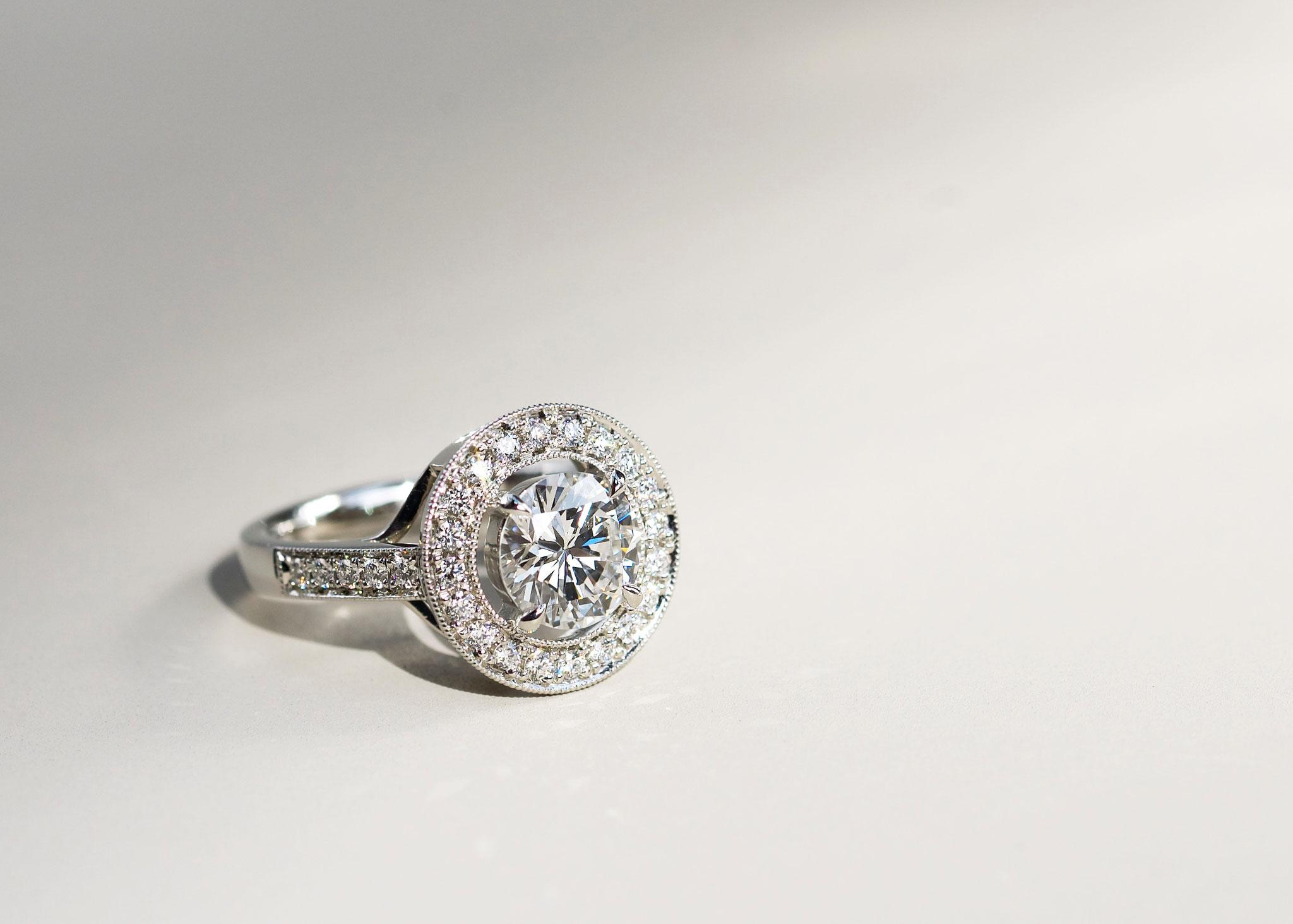 フルオーダーリフォーム Pt950×持ち込みダイヤモンド /1.35ct×メレダイヤモンド 0.3ct/30P