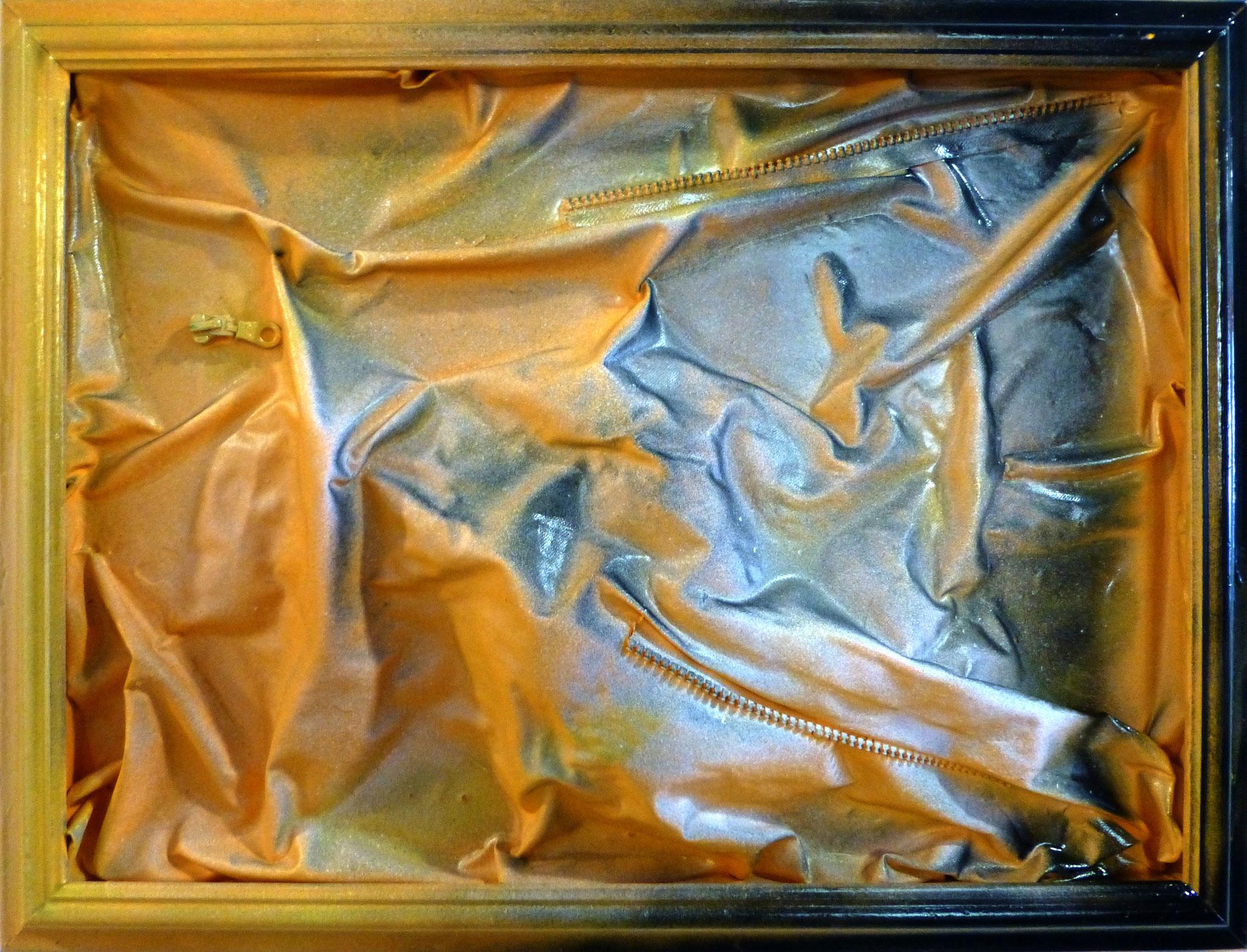 """""""It's Coming"""" , cm 69,5 x 52,5 /Technique mixte sur toile avec fermeture éclair /Année 2016 /Publié www.ritzow. com /Exposé Galleria ArteCapital Brescia, Showroom Ritzow Milano, Galerie Kunst und Medizin Berlin, Au verso Signature, Année, Timbre"""