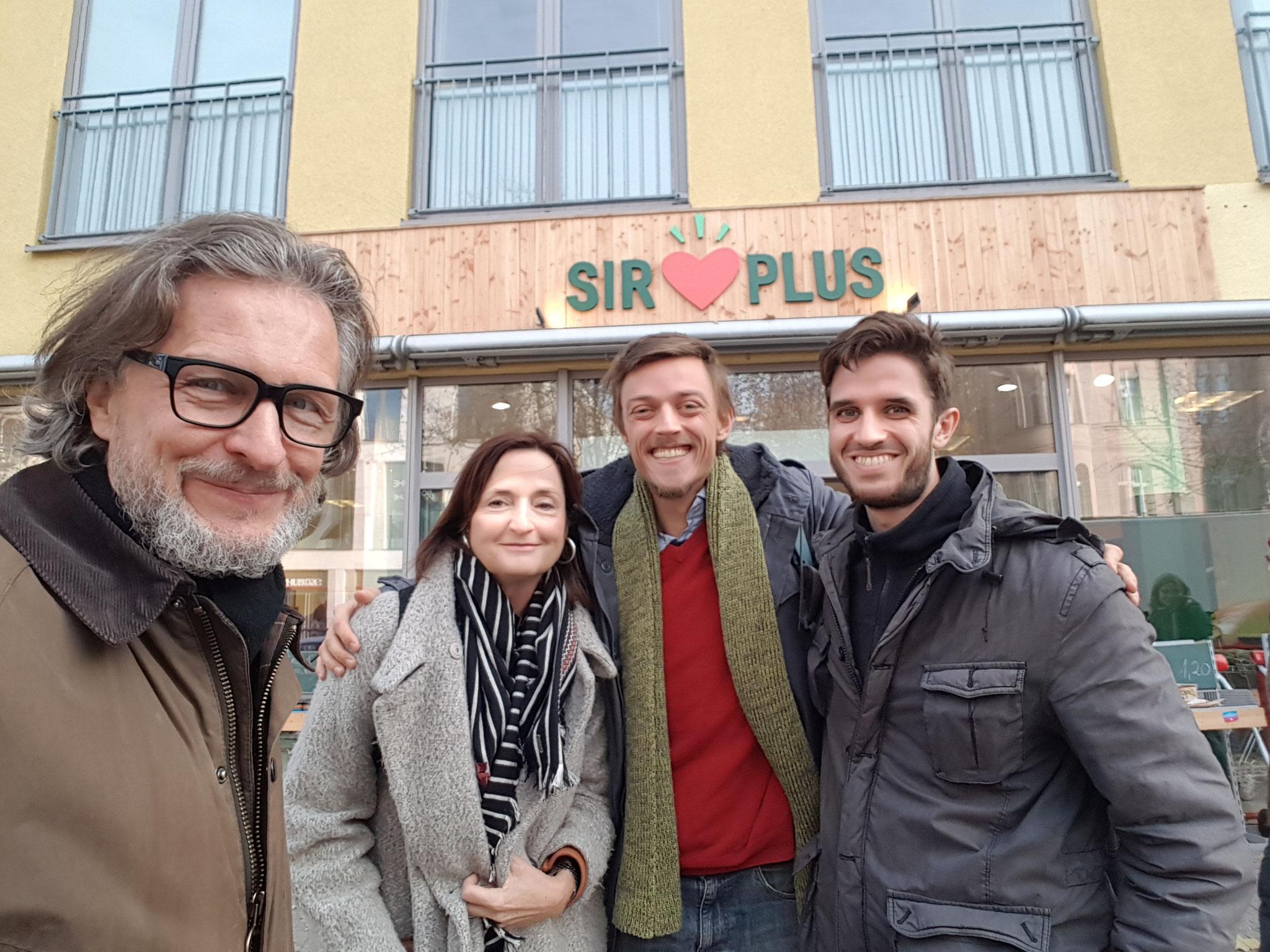 Thomas Matla und Prof. Veronika Bellone sowie Raphael Fellmer & Martin Schott von SIRPLUS © Bellone Franchise Consulting GmbH
