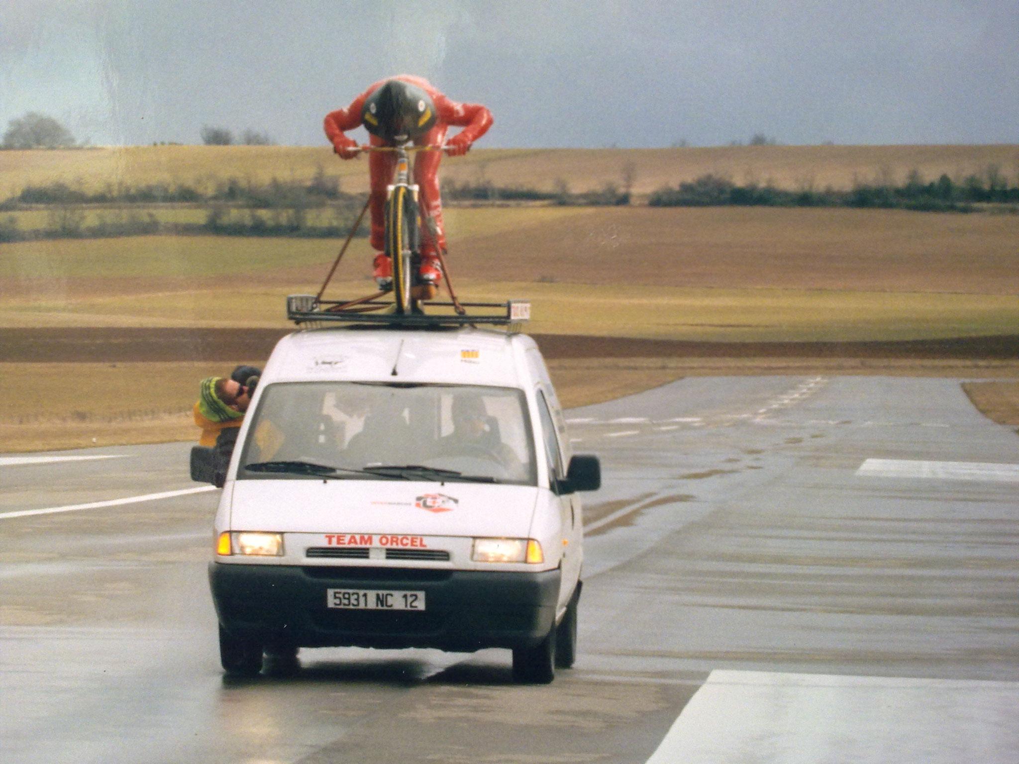 Essais de pénétration dans l'air sur l'aérodrome du Larzac